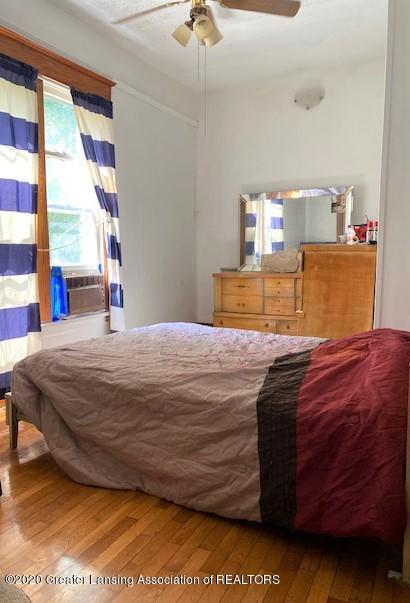 627 N Sheldon St - Master Bedroom - 8