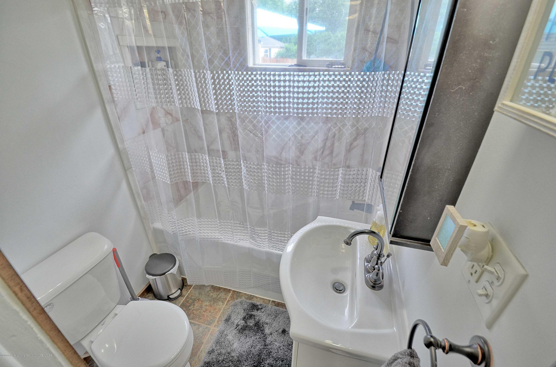 4606 Grove Ave - Bathroom - 14