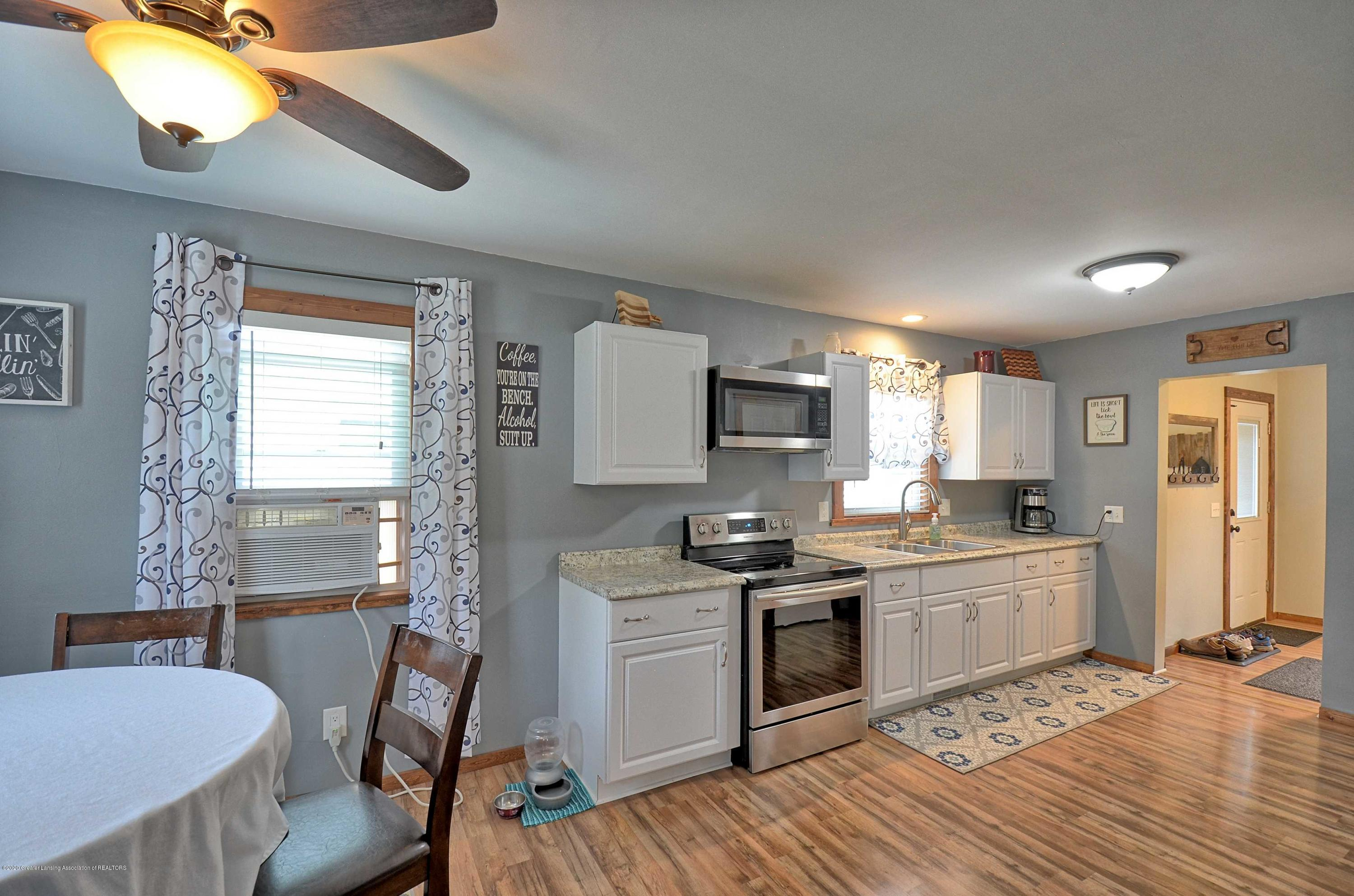 4606 Grove Ave - Kitchen Dining - 10