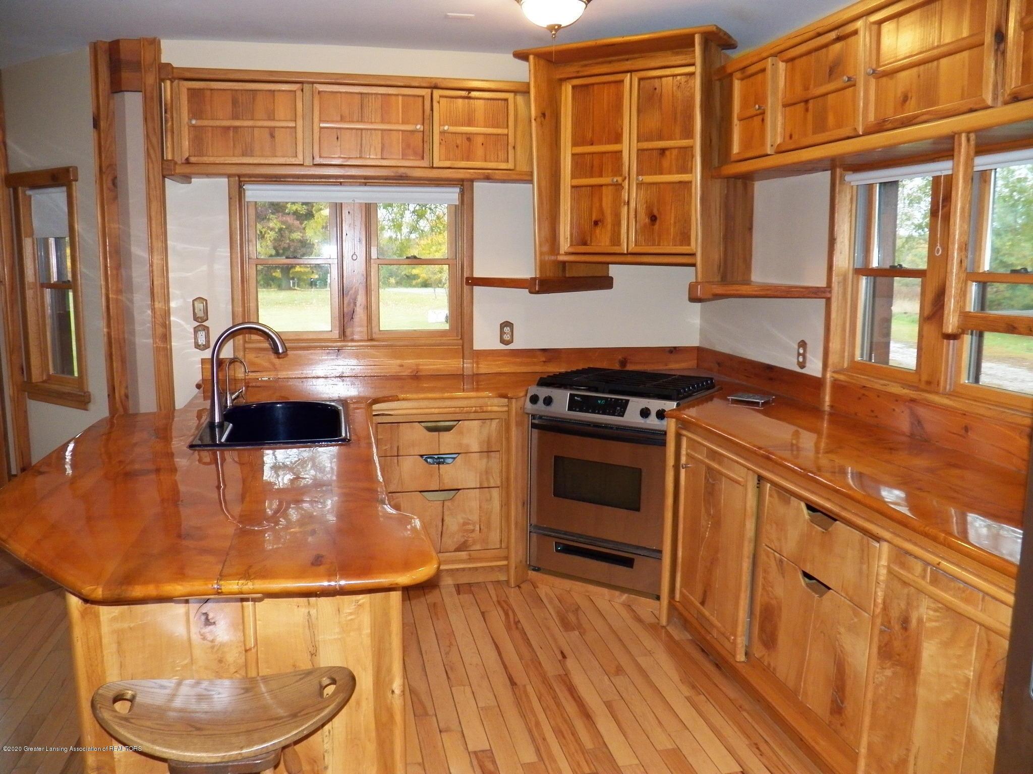 1584 W Barnes Rd - kitchen - 6