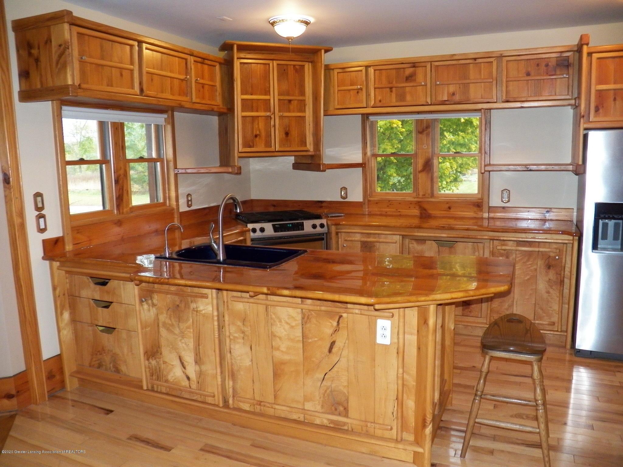 1584 W Barnes Rd - kitchen 2 - 7