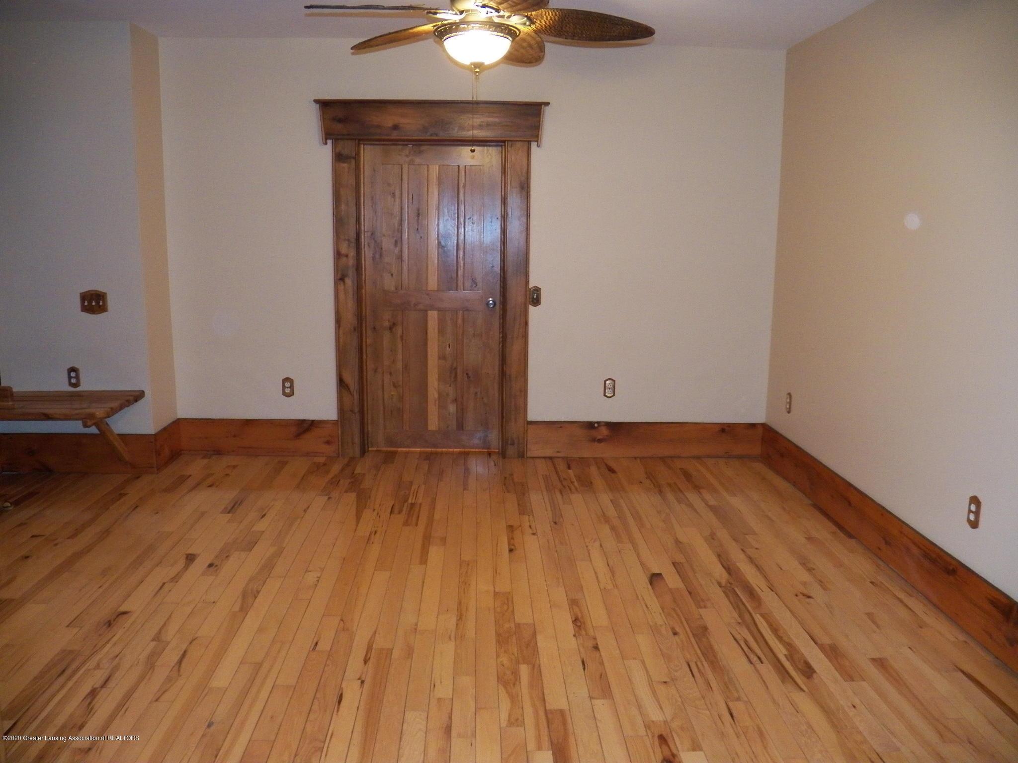 1584 W Barnes Rd - dining room - 8