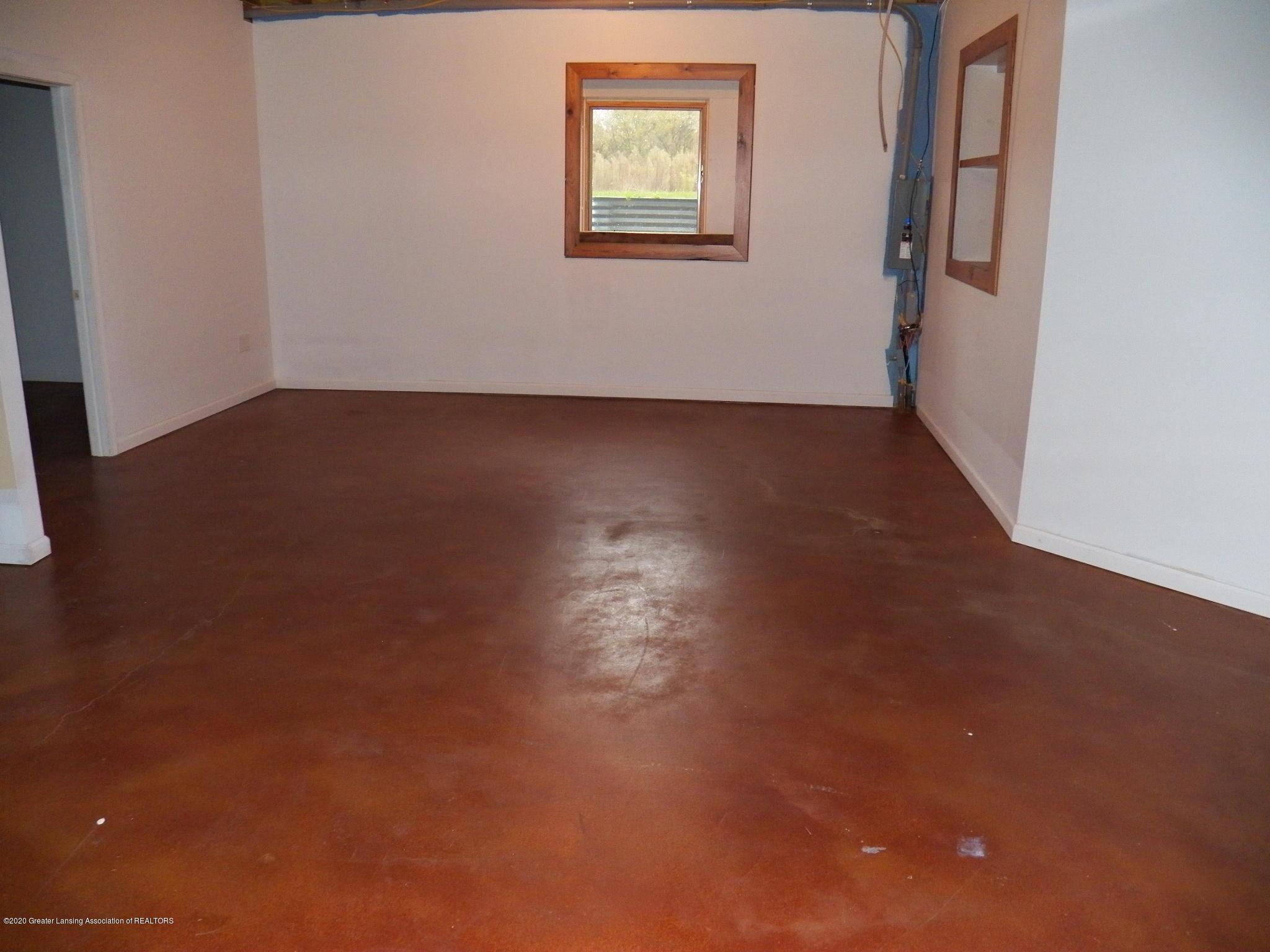 1584 W Barnes Rd - basement - 14
