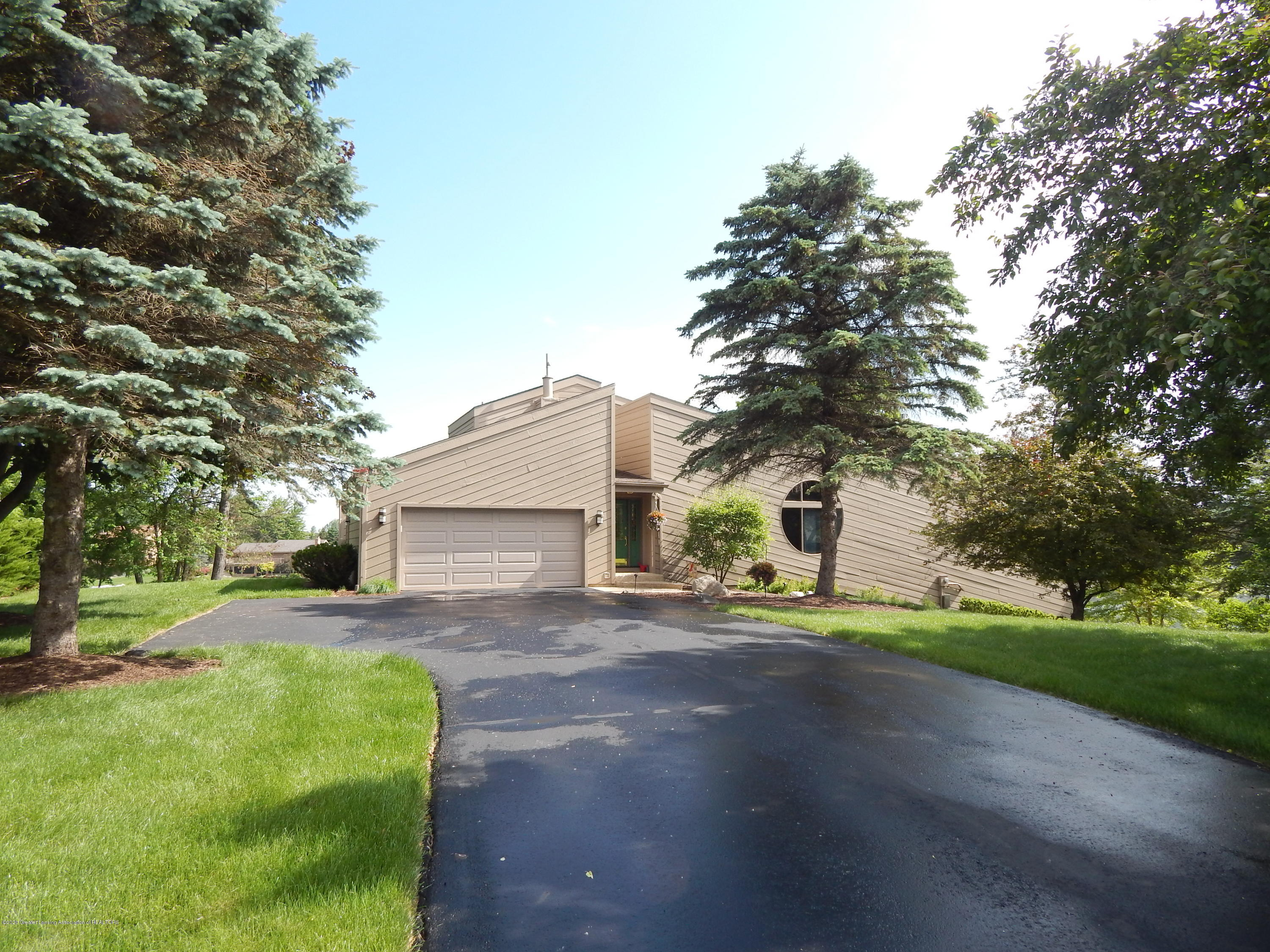 9440 Lookout Point Dr - Front - 1