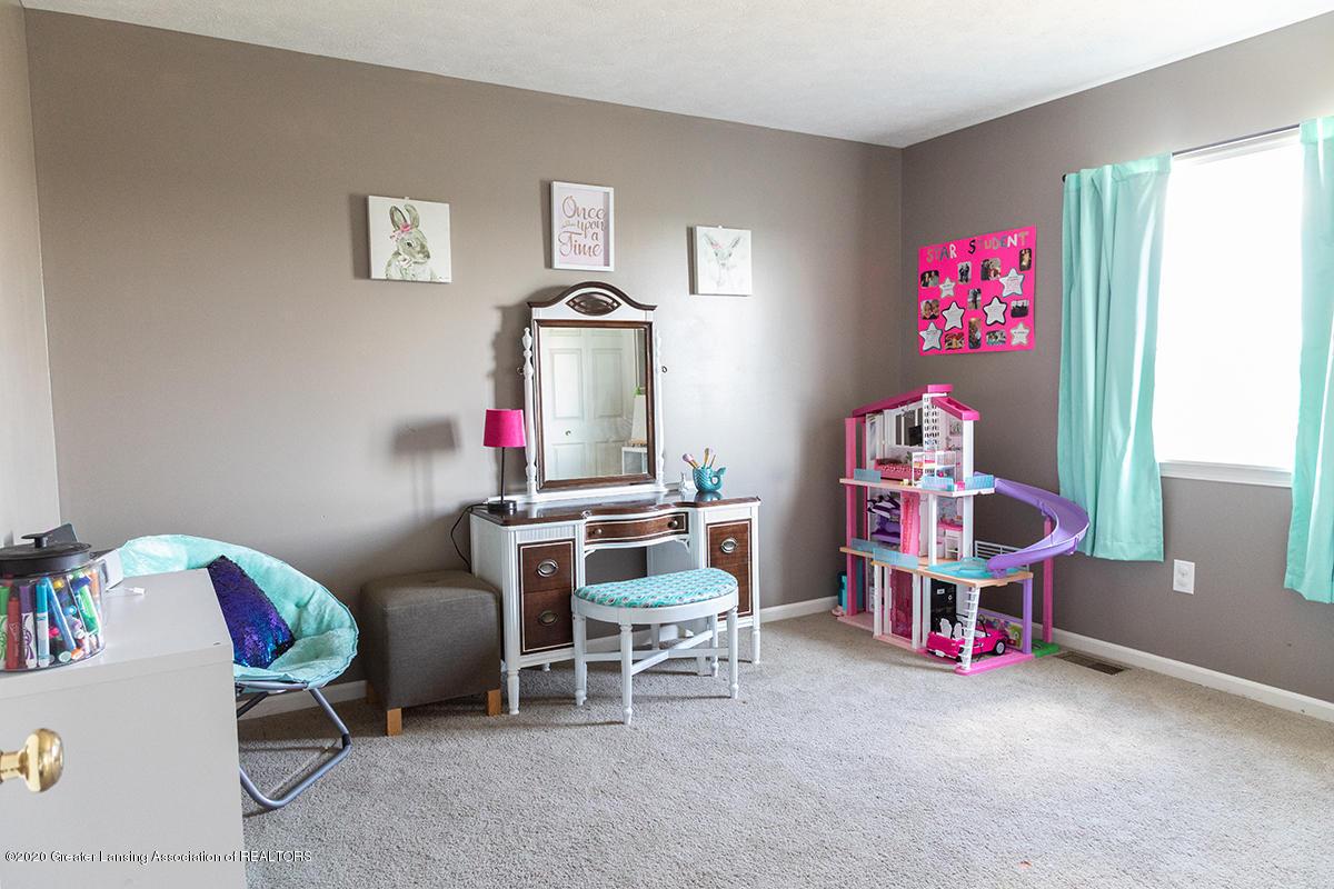8063 Idared Rd - mainfloor bed - 14