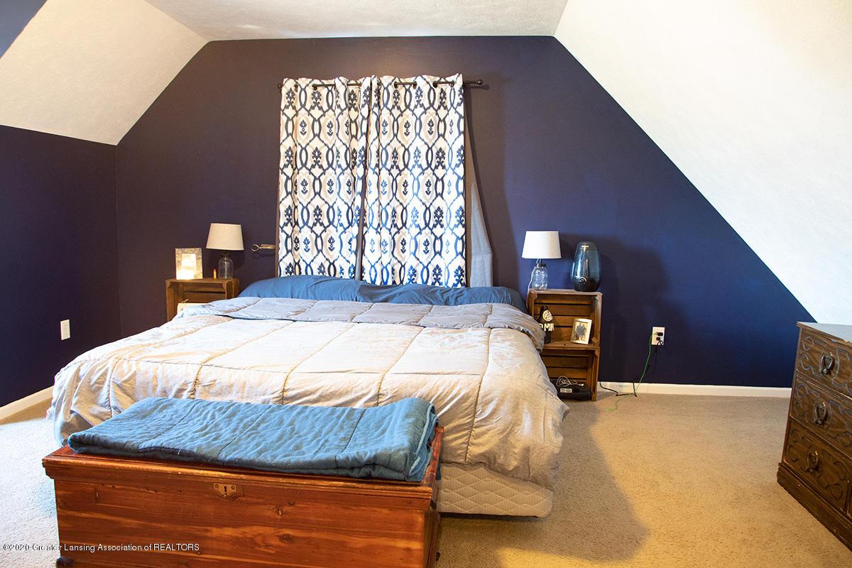 8063 Idared Rd - upstairs bed - 18