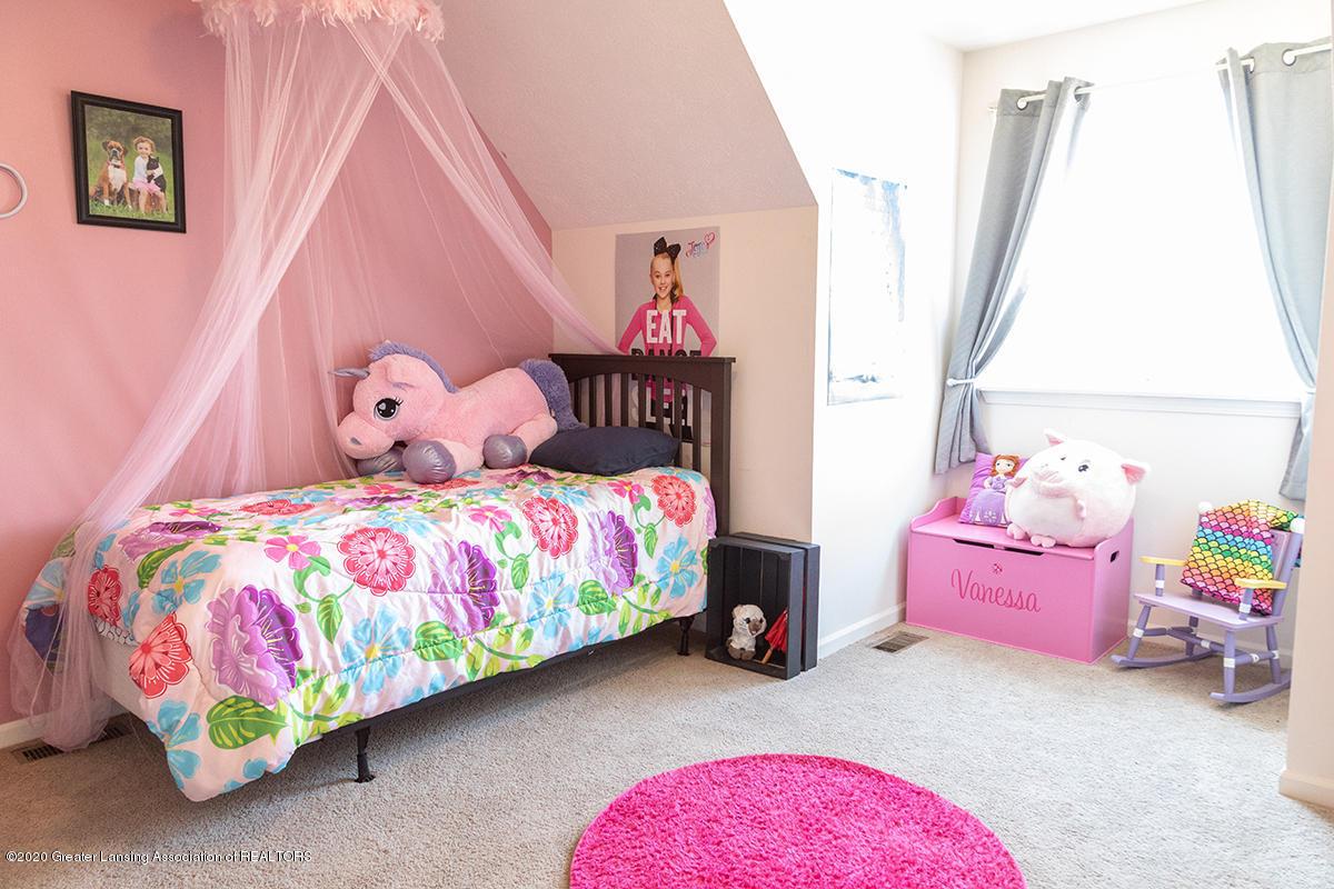 8063 Idared Rd - upstairs bed2 - 19