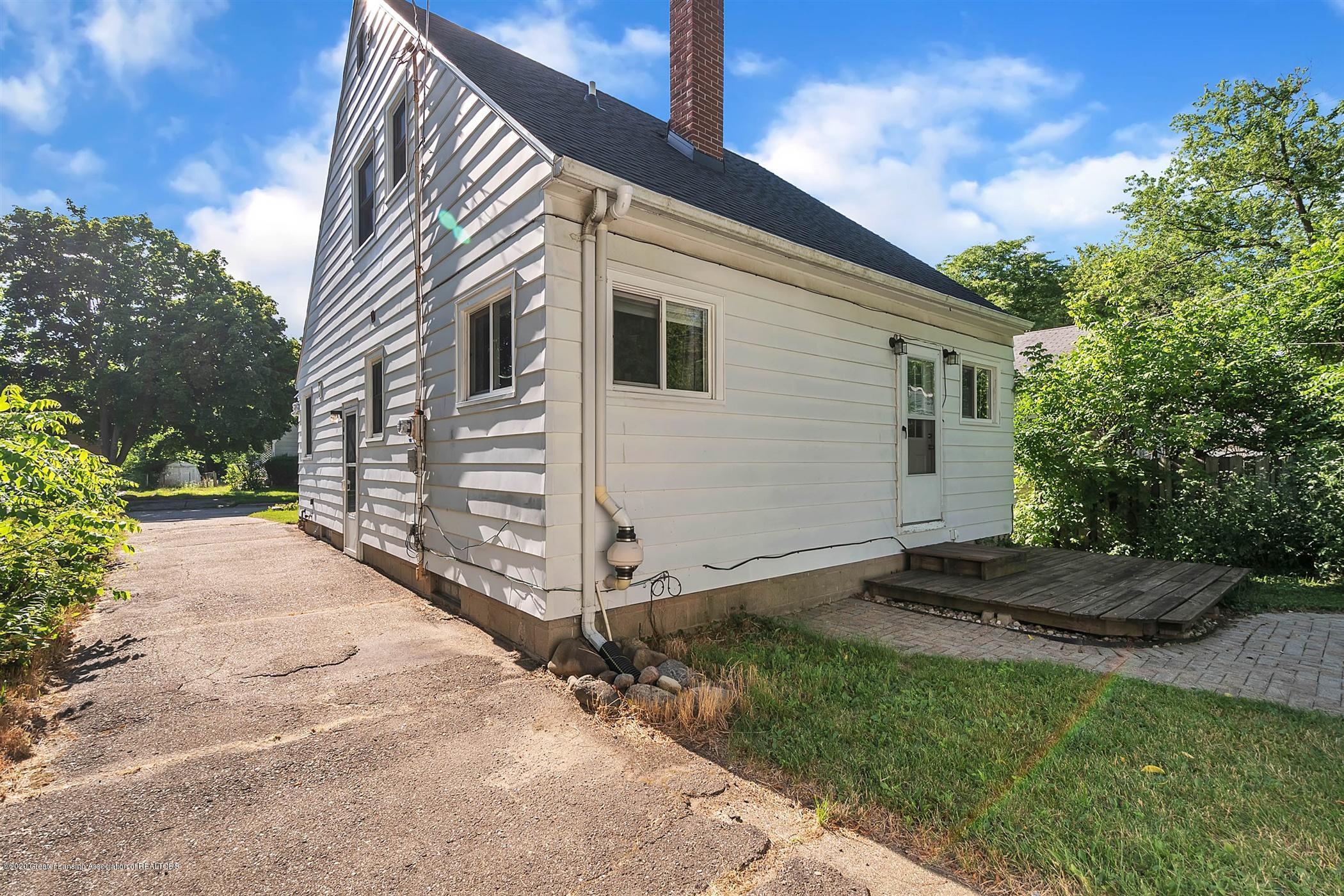 580 Lexington Ave - 39-580 Lexington Ave-WindowStill-Re - 38