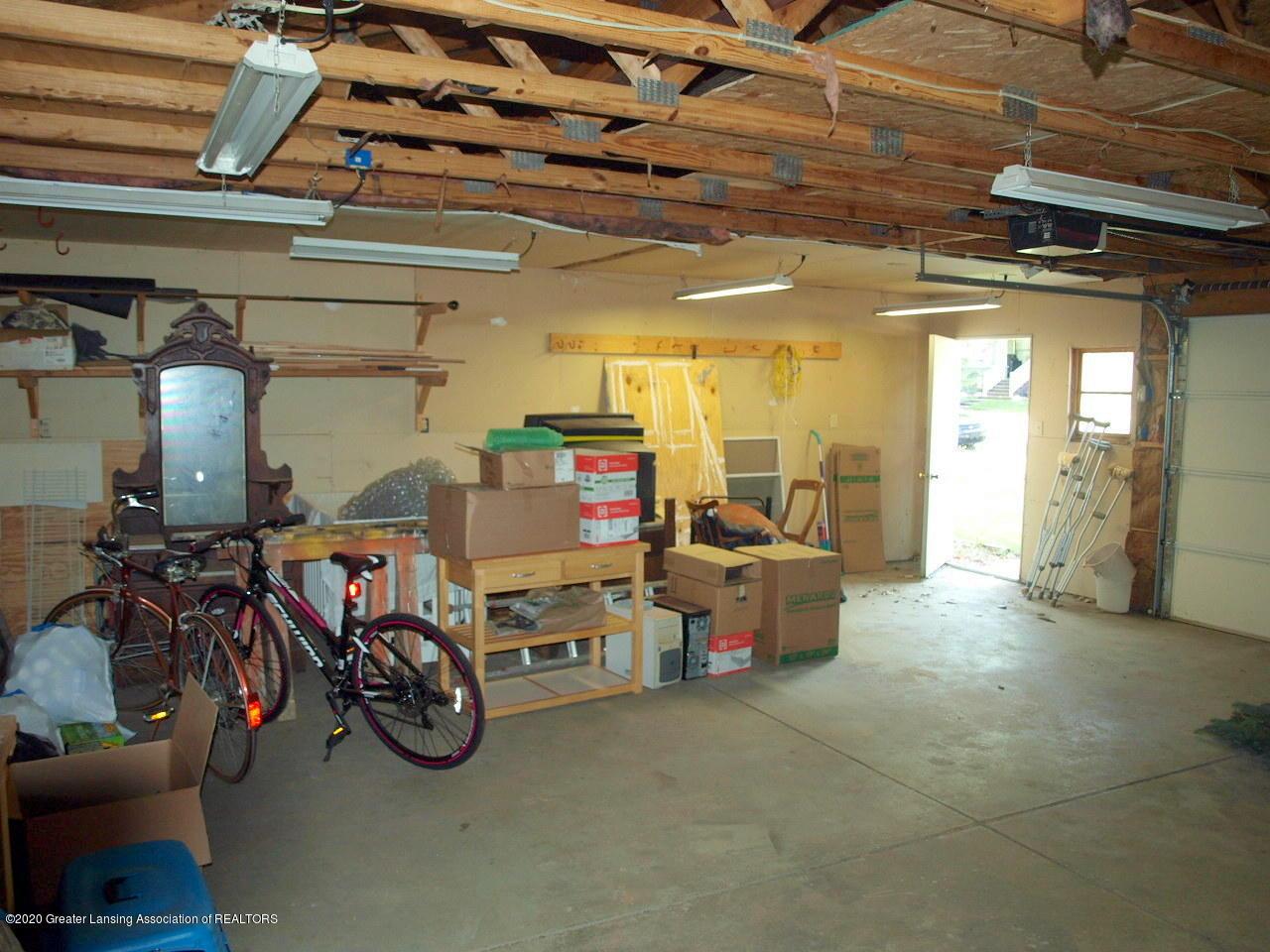 300 S Swegles St - garage - 28