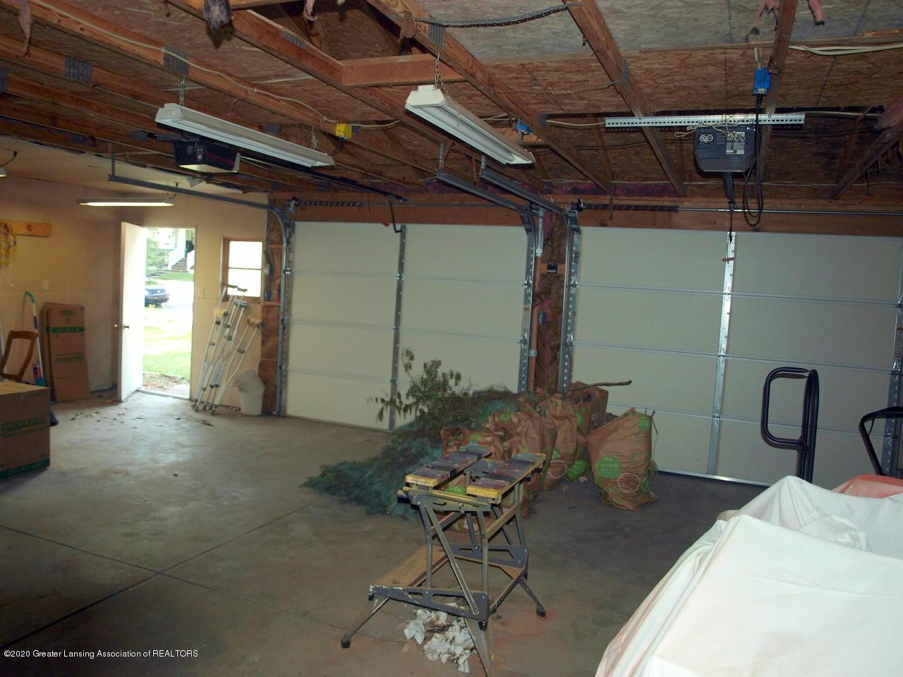 300 S Swegles St - garage - 29