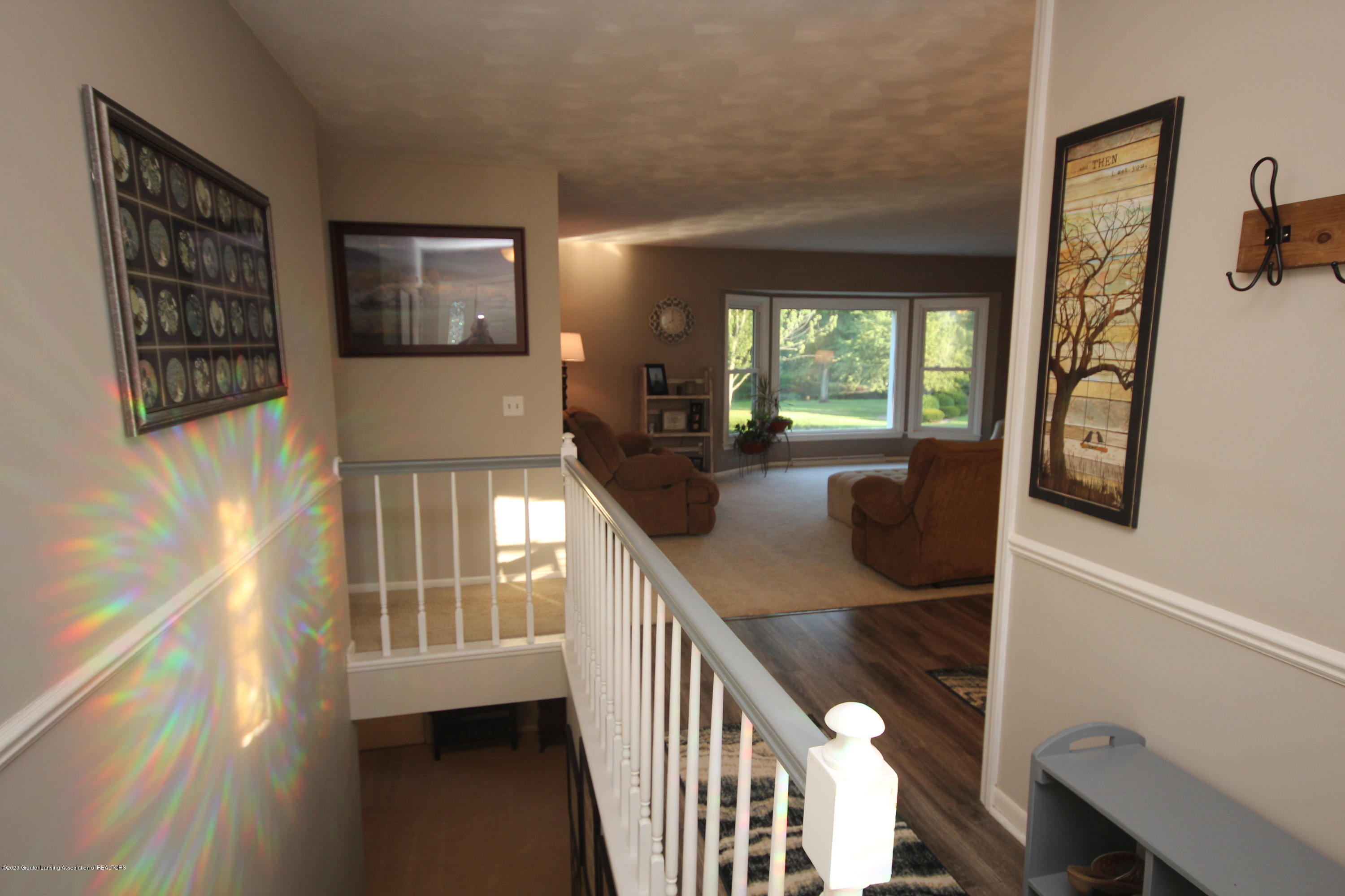 4115 Driftwood Dr - entry hall - 2