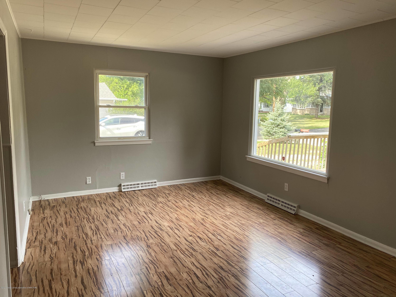 6224 Daft St - Living Room - 3