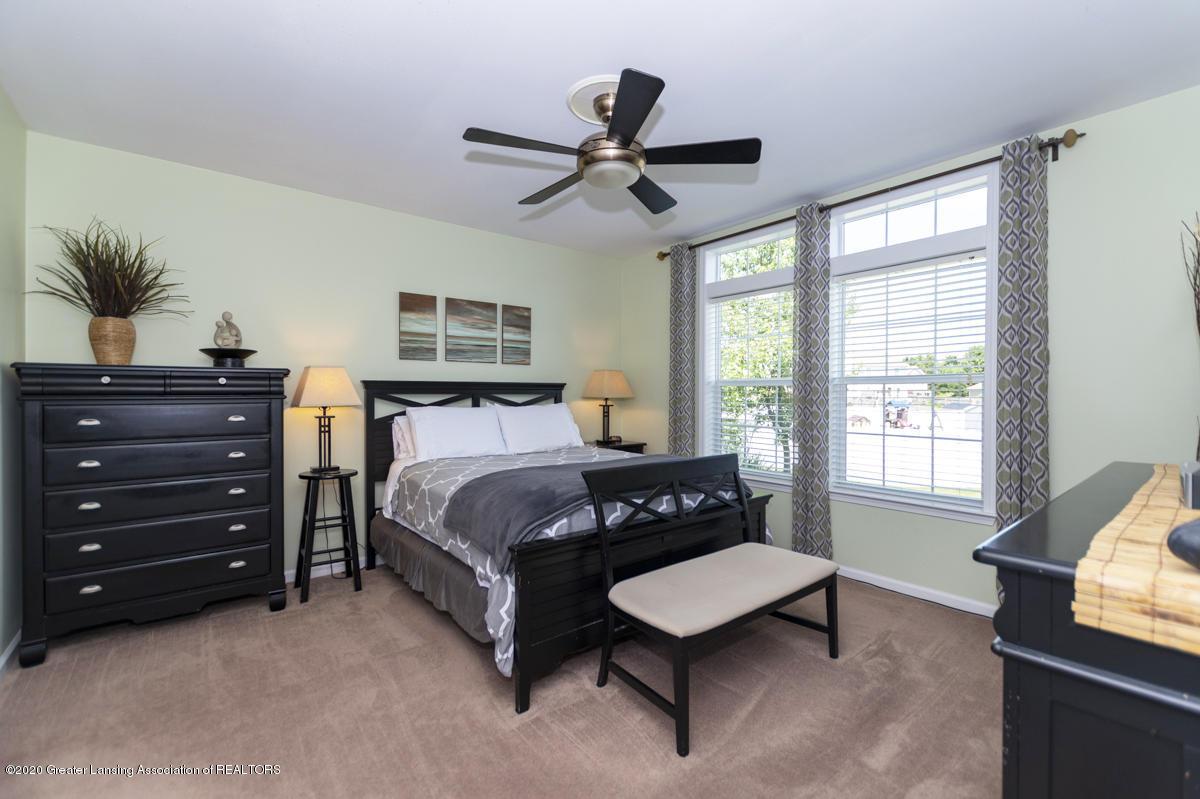 49 Lilac Ln - Master Bedroom - 18