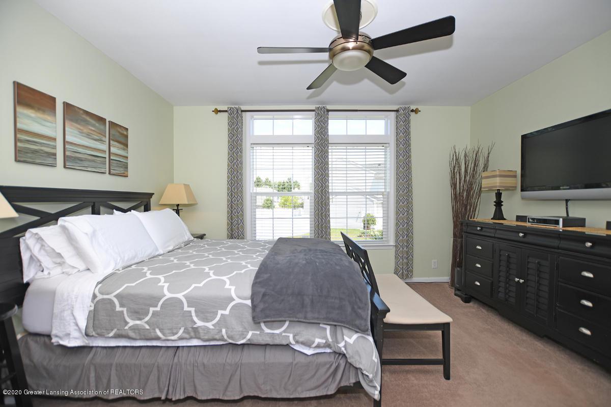49 Lilac Ln - Master Bedroom - 19