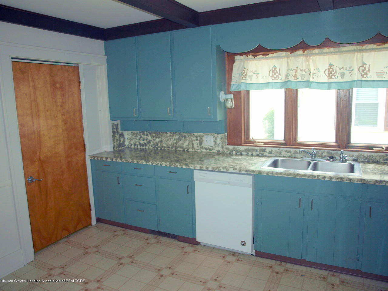 601 S Oakland St - kitchen - 12