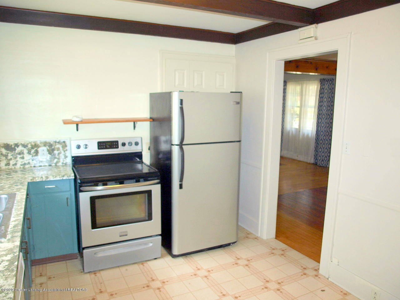 601 S Oakland St - kitchen - 14