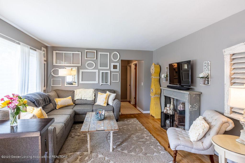 694 John R St - Living Room - 3