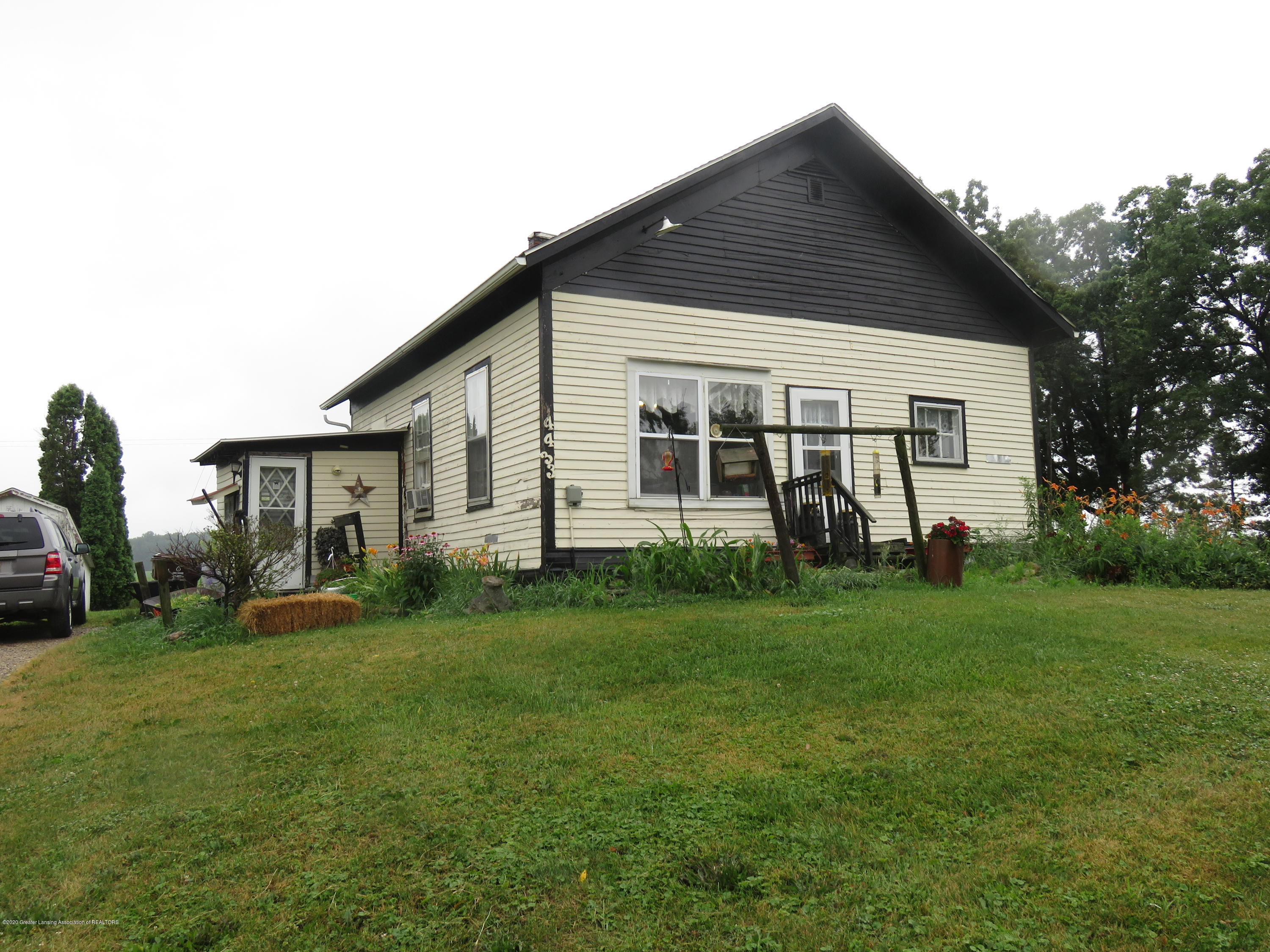 4433 W Gratiot County Line Rd - Front - 1