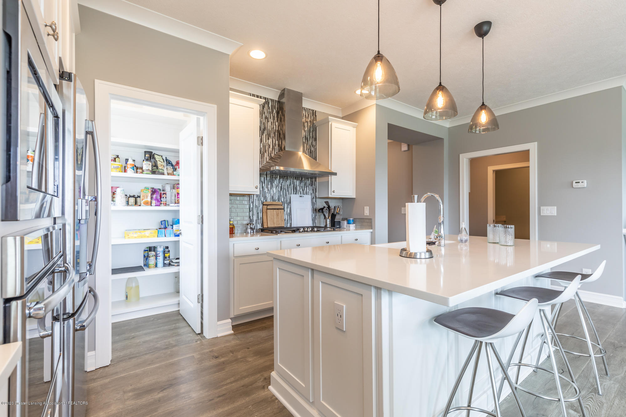 4020 Hagadorn Rd - Kitchen 8 - 11