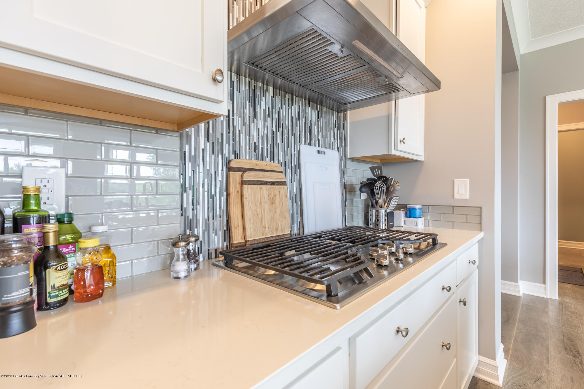 4020 Hagadorn Rd - Kitchen 3 - 6