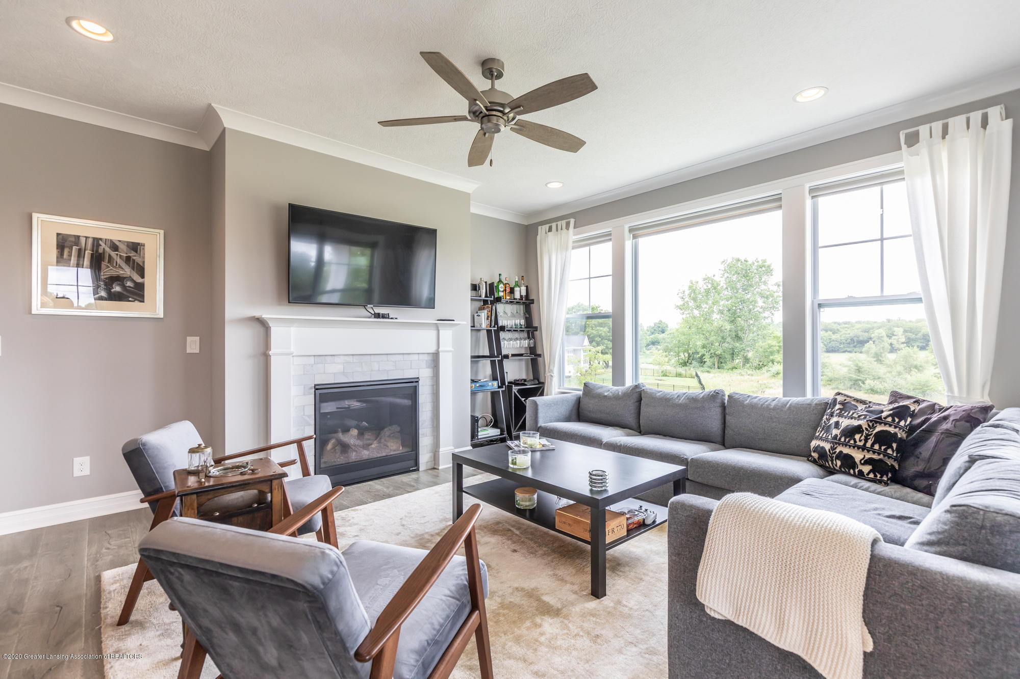 4020 Hagadorn Rd - Living Room 2 - 16