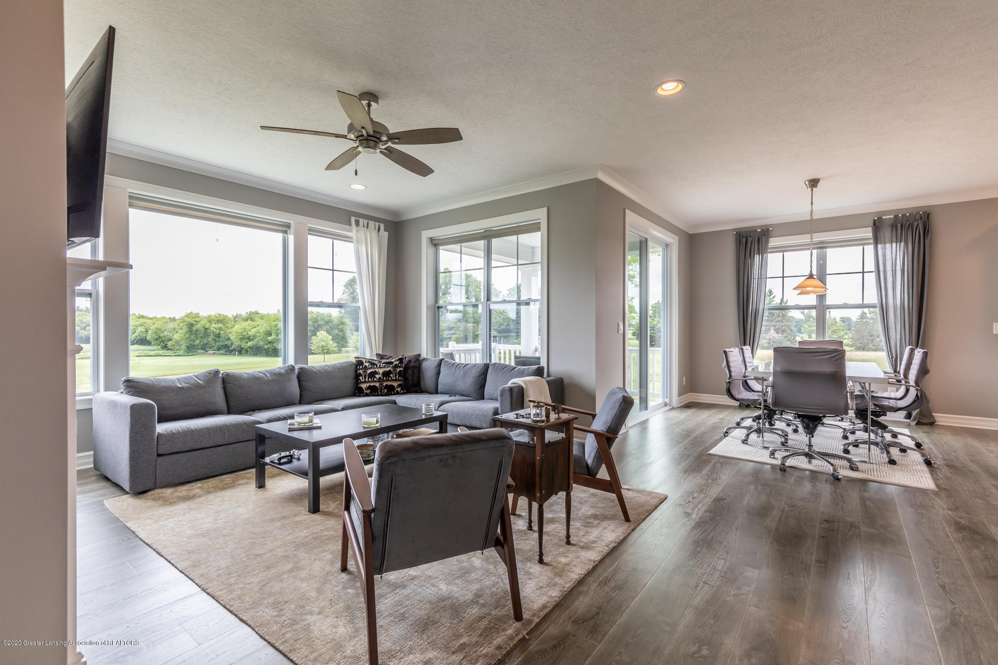 4020 Hagadorn Rd - Dining/Living Room - 14