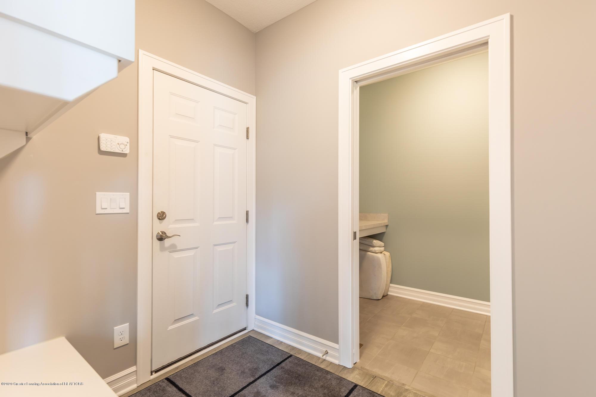 4020 Hagadorn Rd - Mudd Room - 31