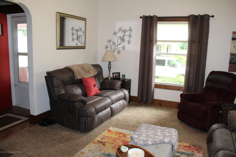 208 W Shaw St - 2 Living Room - 2
