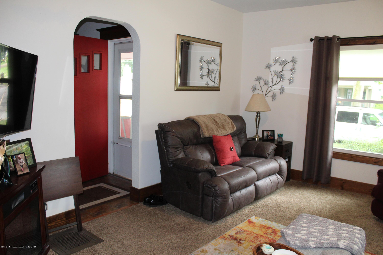 208 W Shaw St - 4 Living Room - 4