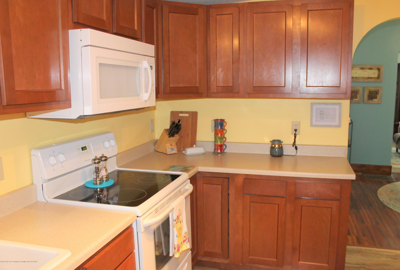 208 W Shaw St - 13 Kitchen - 13