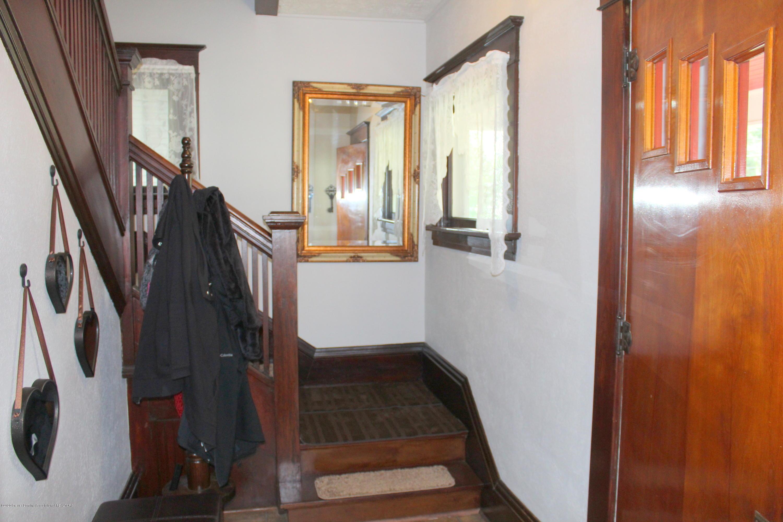 208 W Shaw St - 17 Foyer - 17
