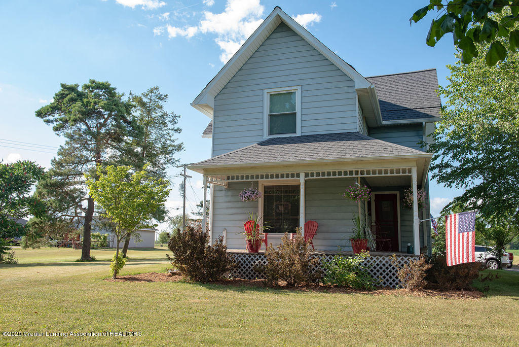 2781 E Grand Ledge Hwy - South side of the house - 1