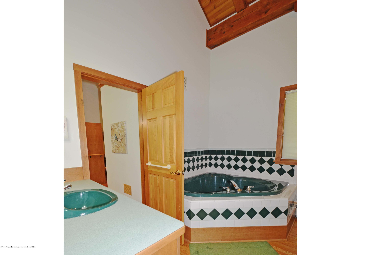 1670 Milton Rd - Hall Bath wSpa Tub - 16