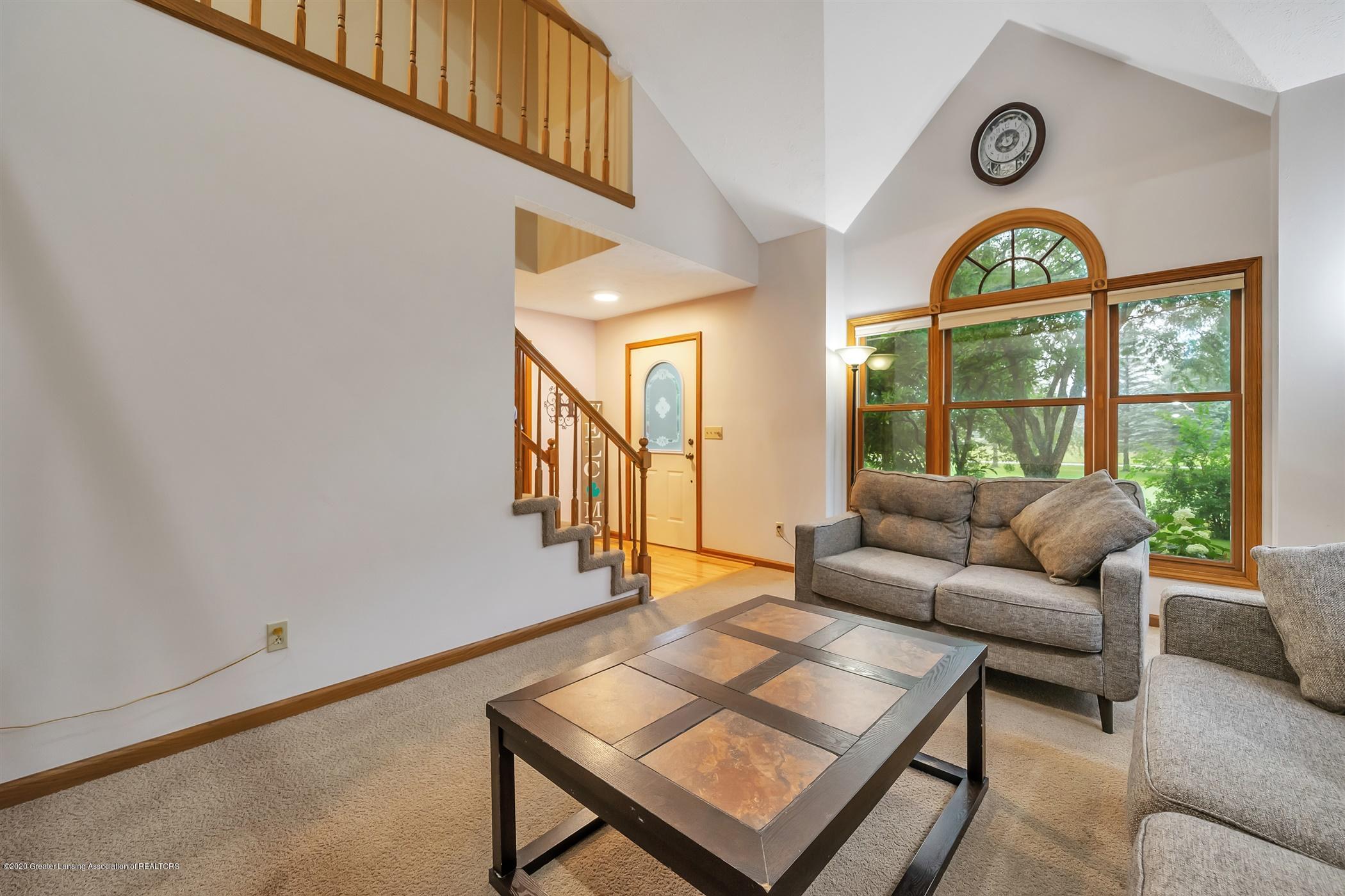 4242 Beeman Rd - MAIN FLOOR Living Room - 5