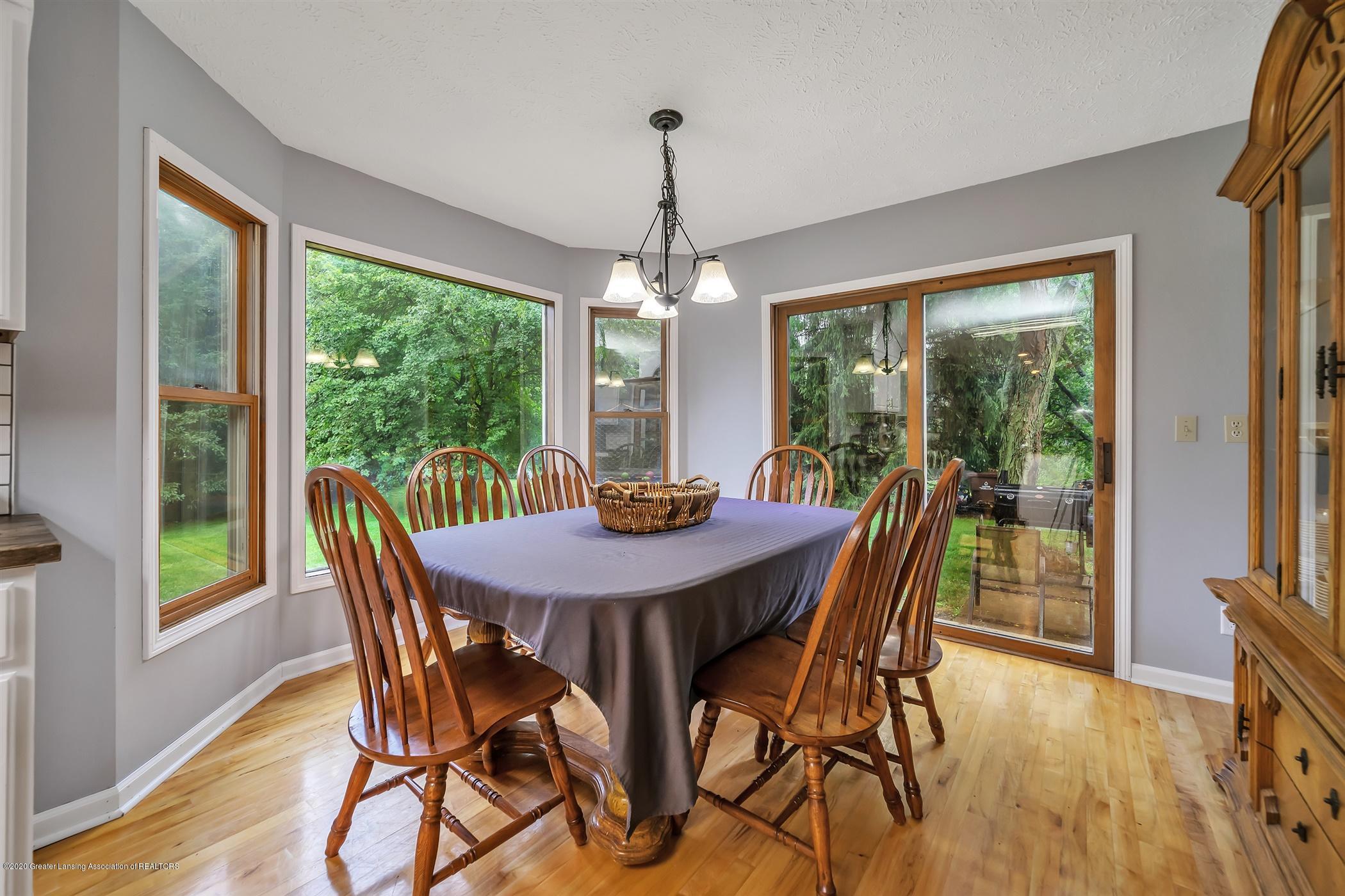 4242 Beeman Rd - MAIN FLOOR Dine In Kitchen - 13