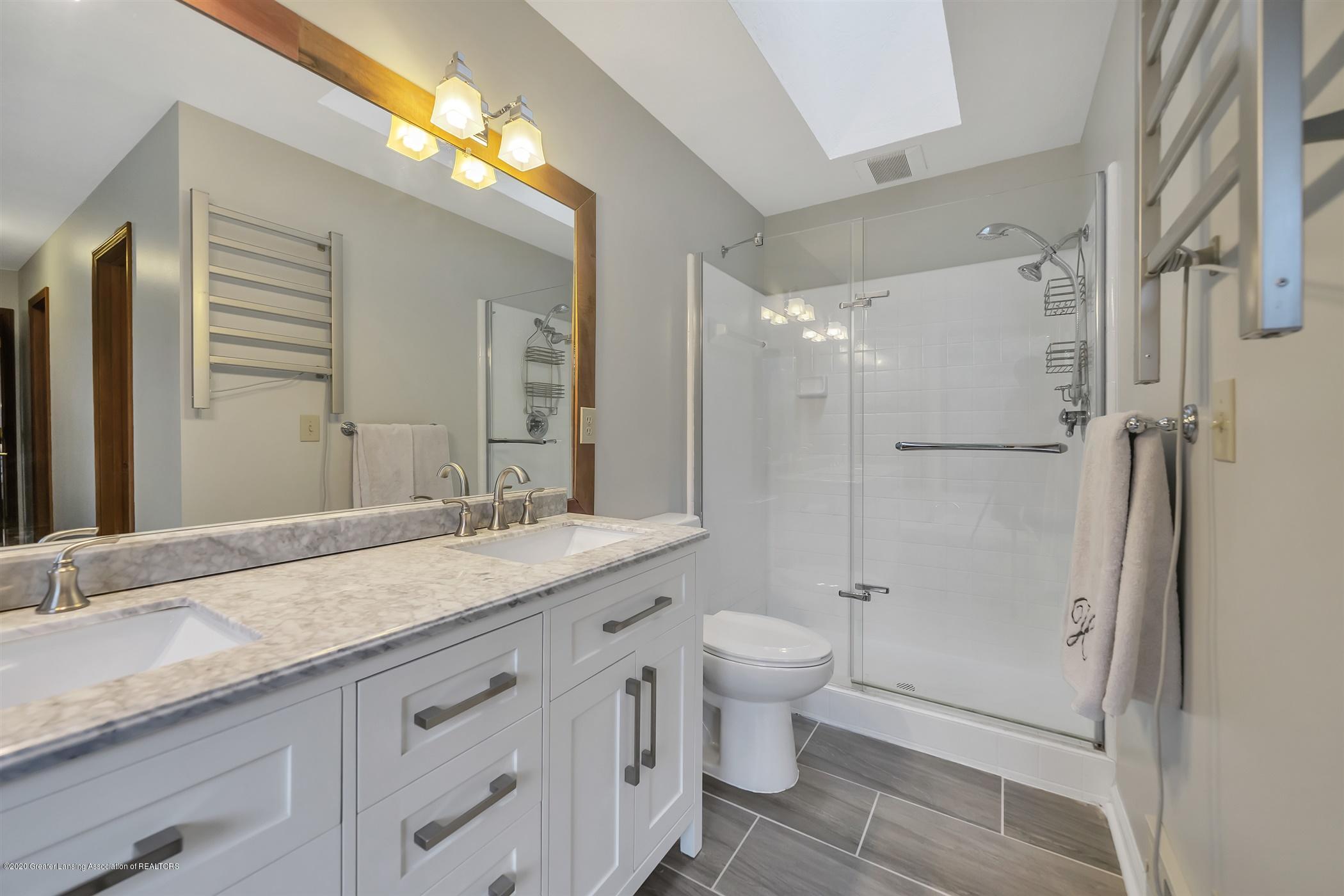 4242 Beeman Rd - SECOND FLOOR Master Bathroom - 16