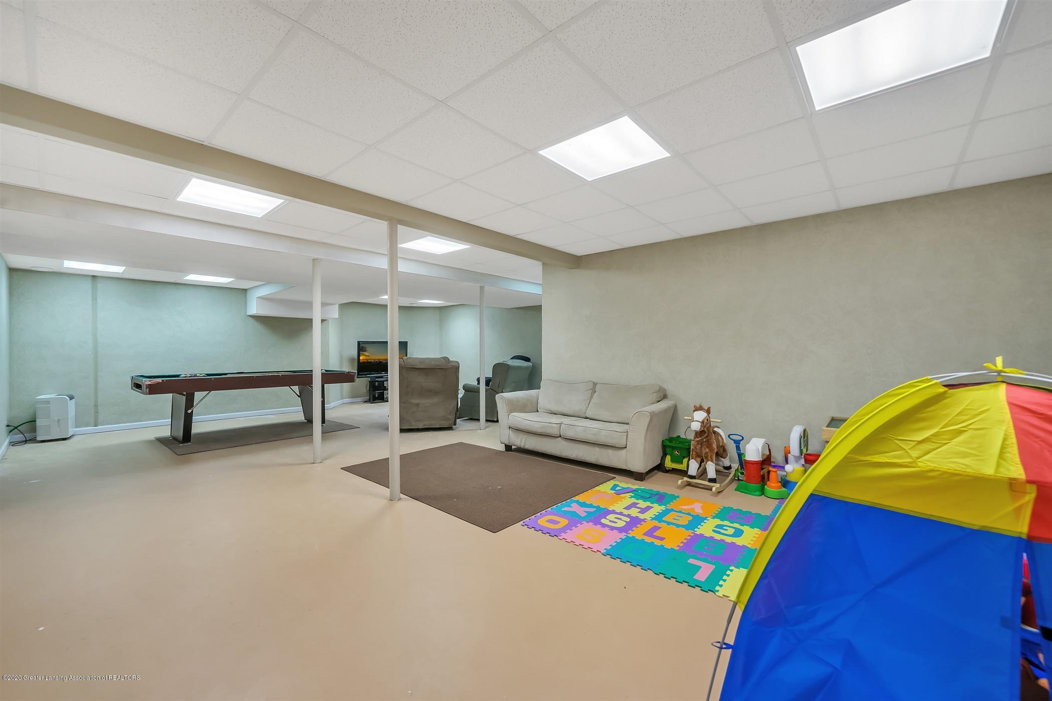 4242 Beeman Rd - LOWER LEVEL Recreation Room - 25