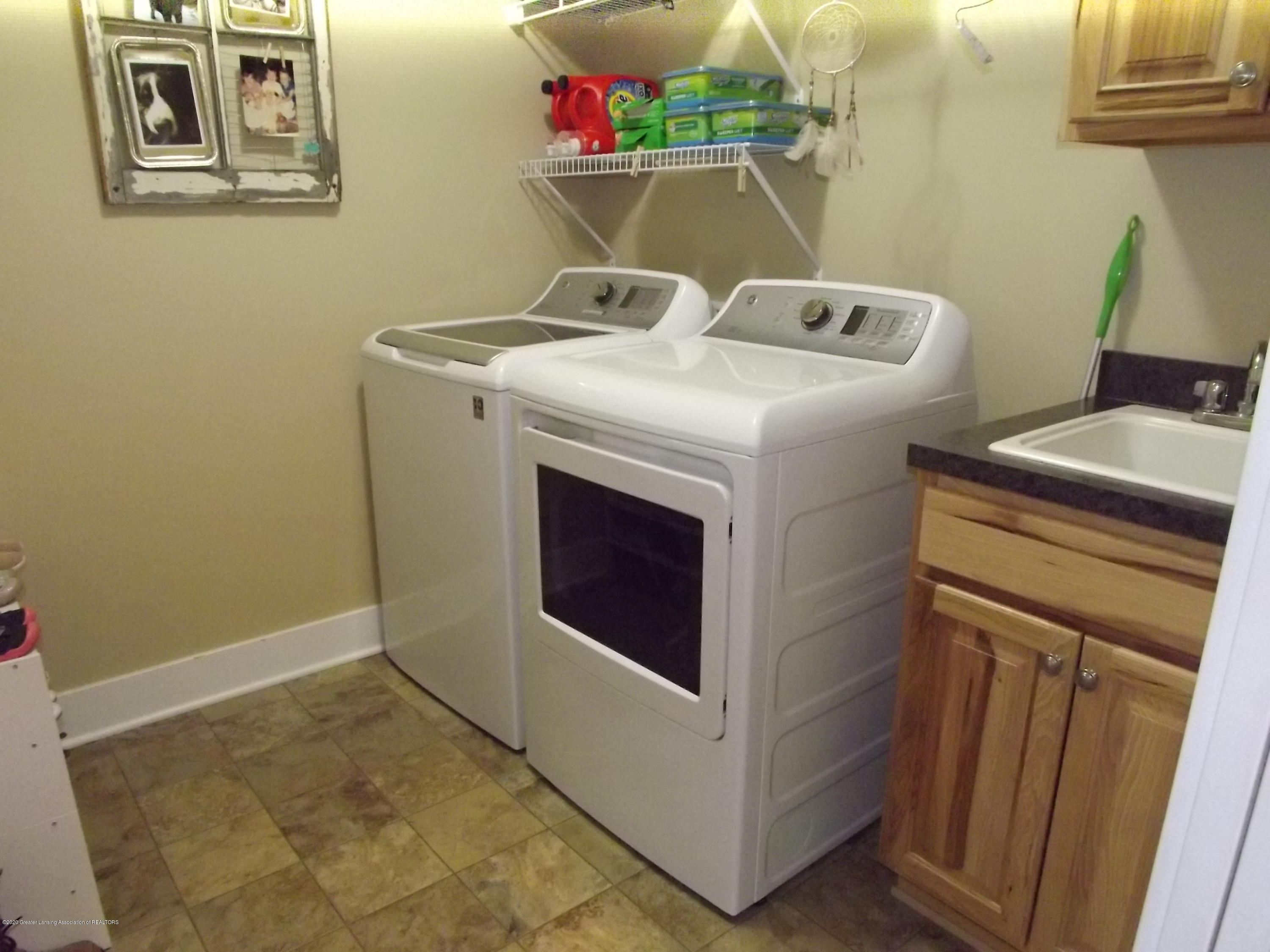 2126 Guernsey Dr - 17 Laundry - 17