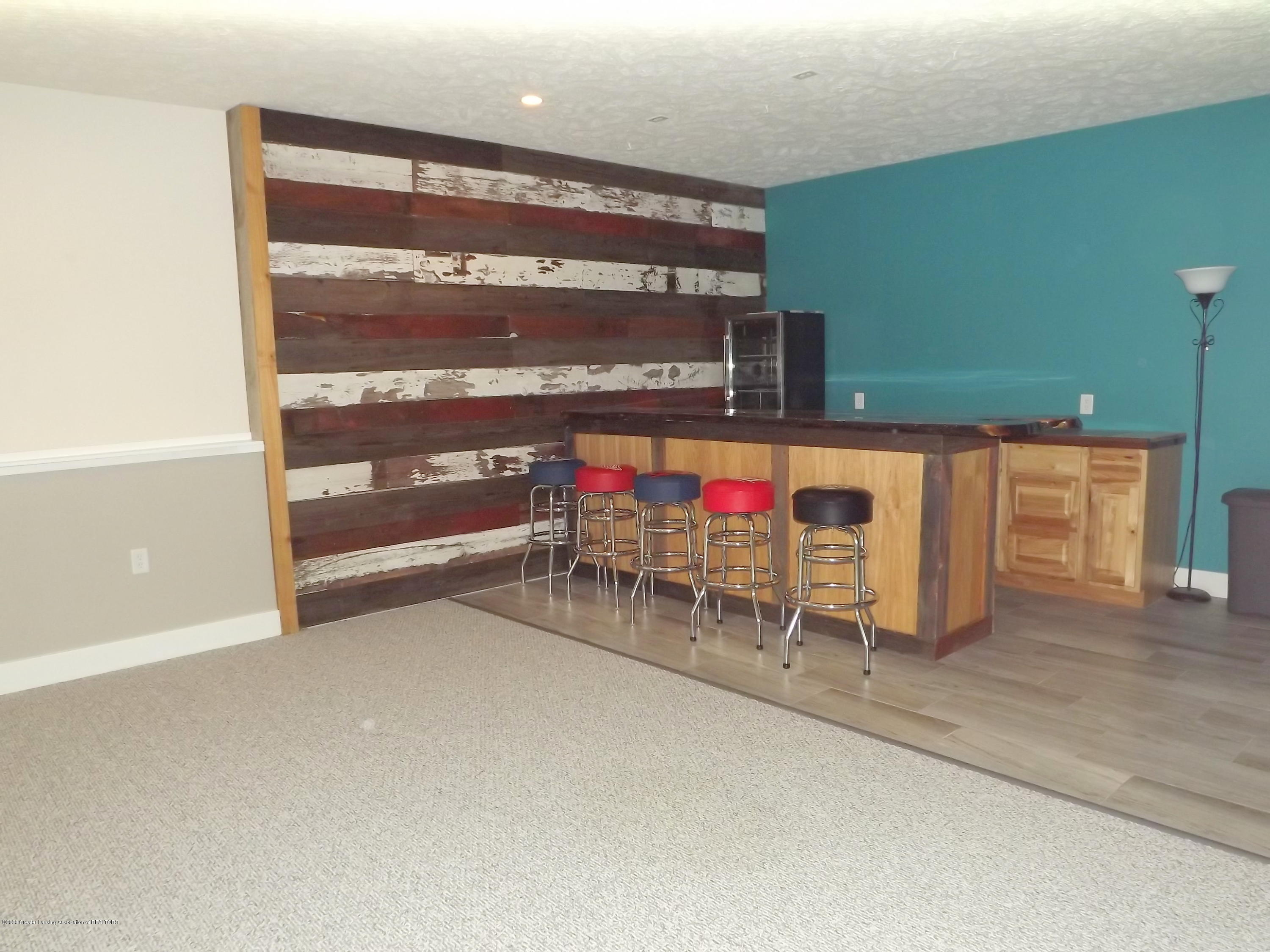 2126 Guernsey Dr - 25 LL Family Rm - 26