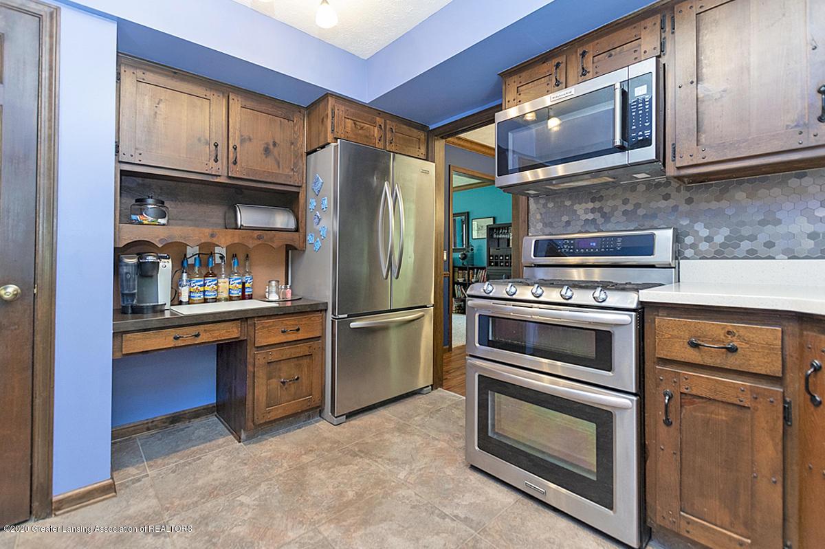 3830 Binghampton Dr - Kitchen - 14