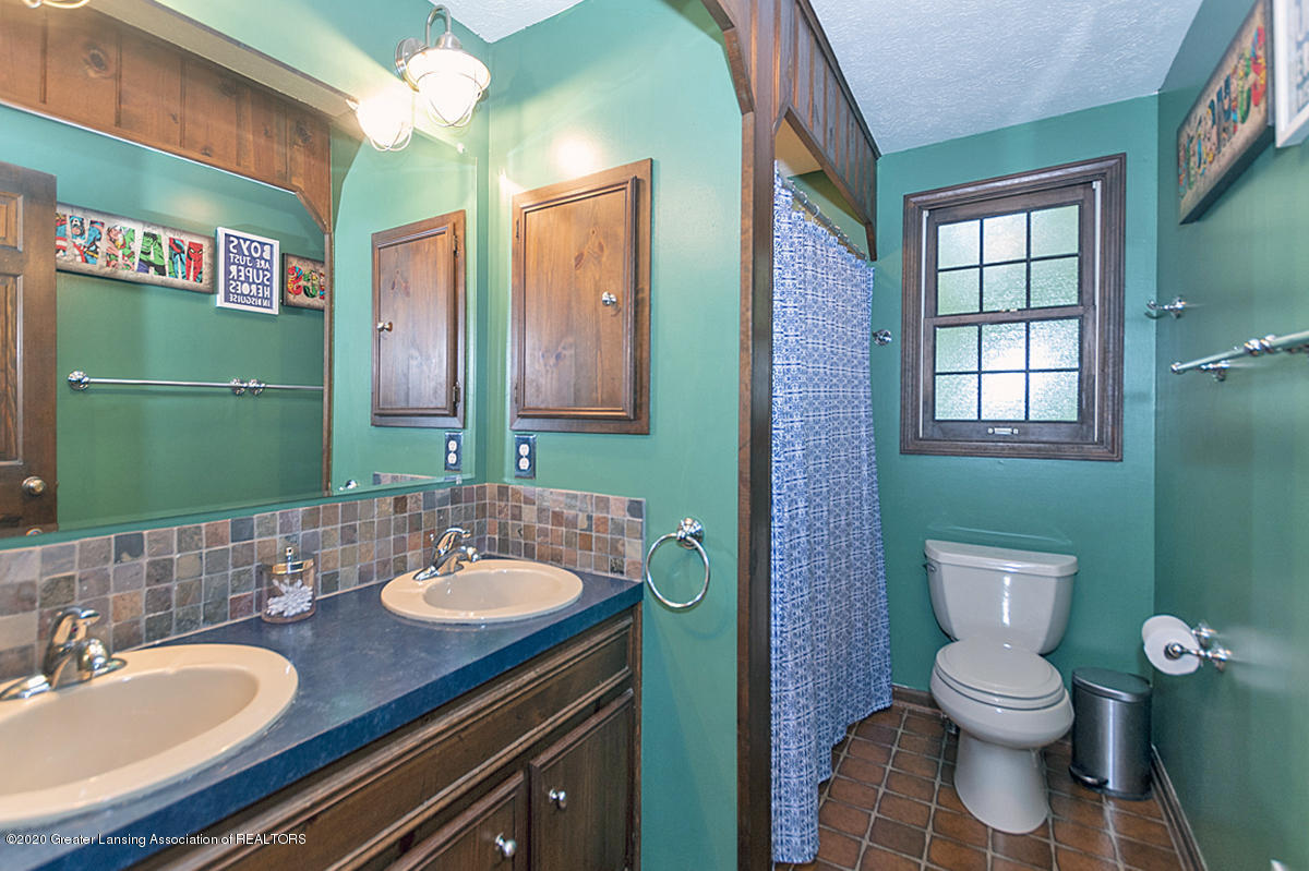3830 Binghampton Dr - Main Bath - 30