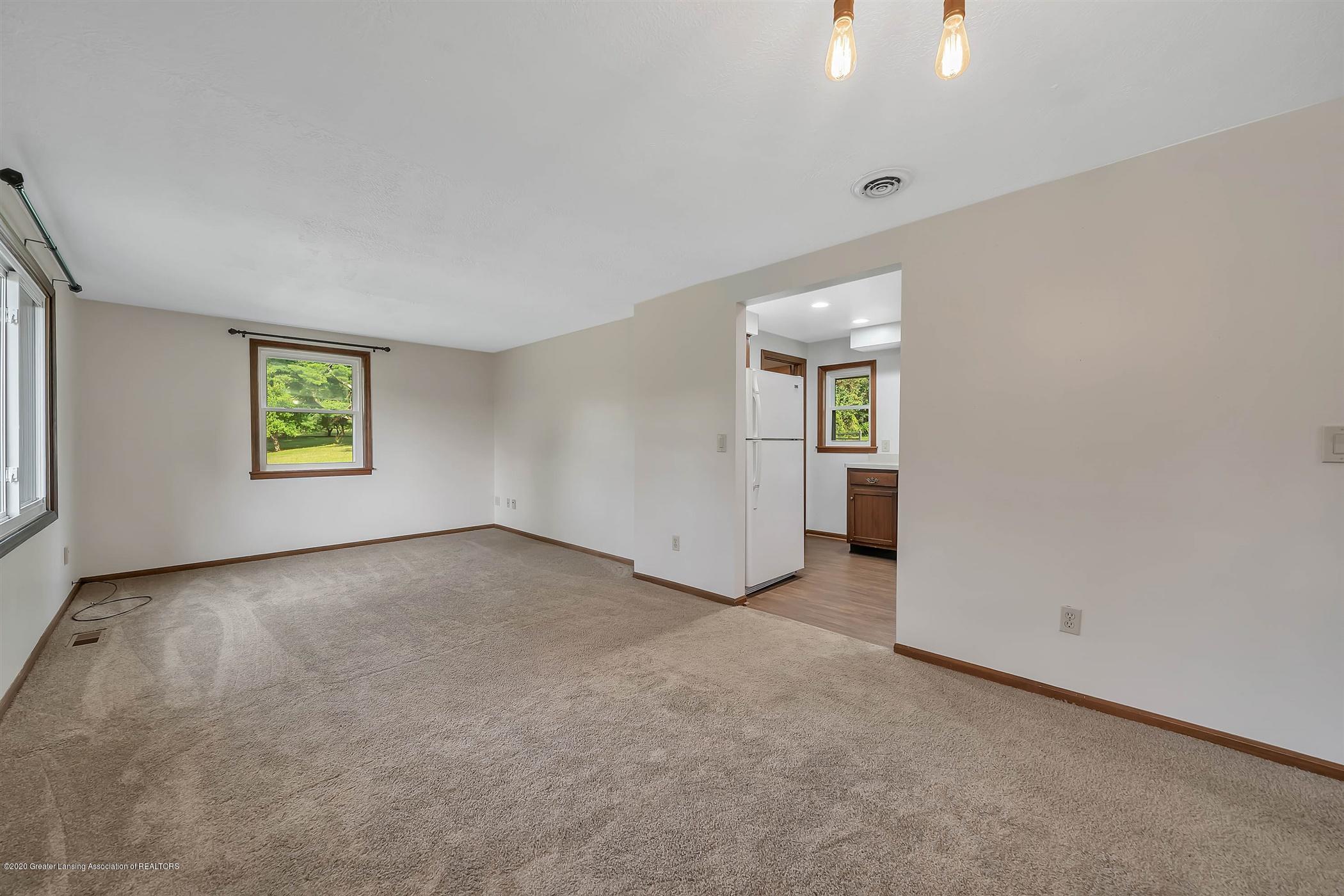 6750 W Lovejoy Rd - (8) 6750 Lovejoy Living Room - 8