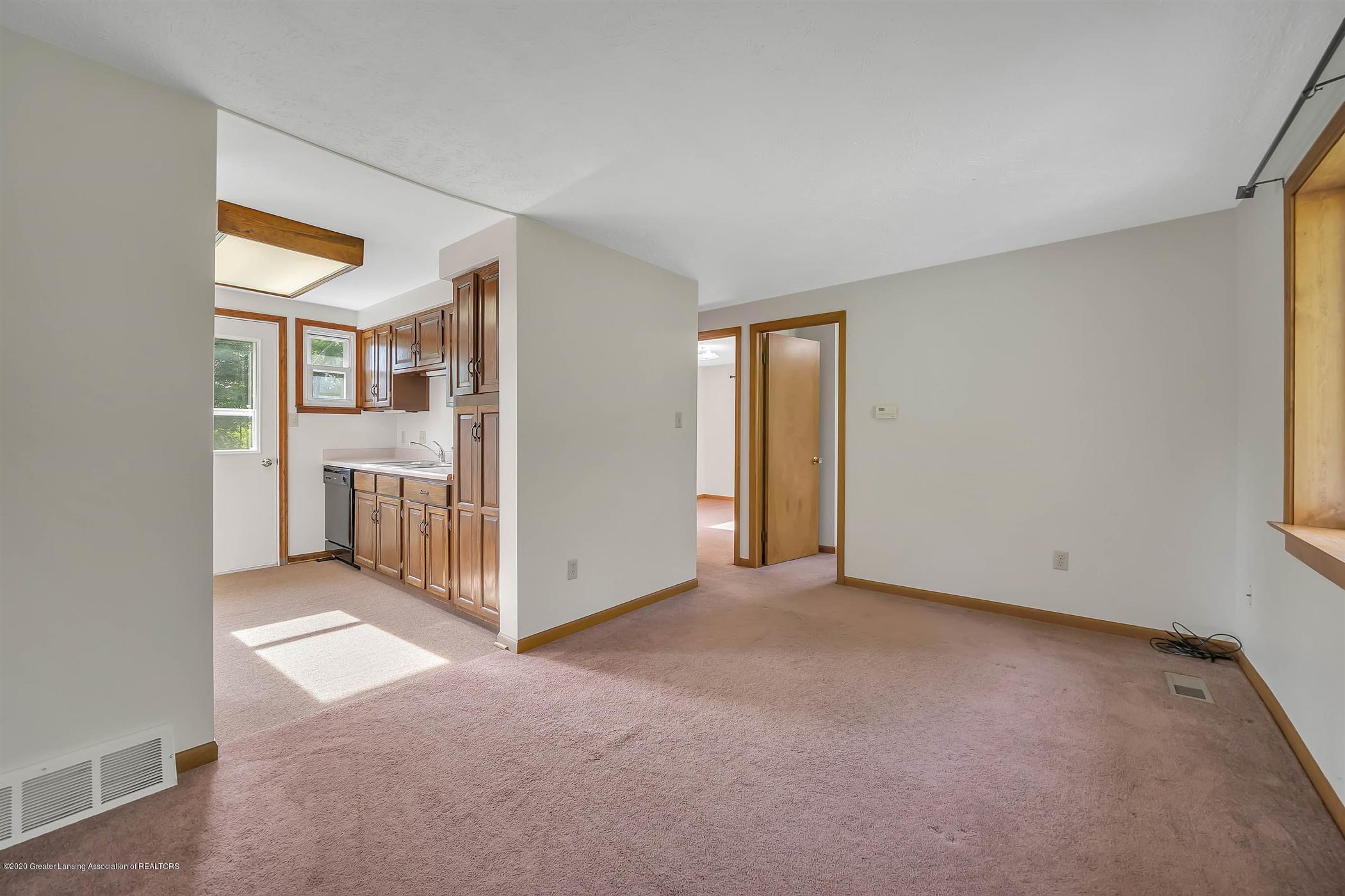 6750 W Lovejoy Rd - (22) 6756 Lovejoy Living Room - 22