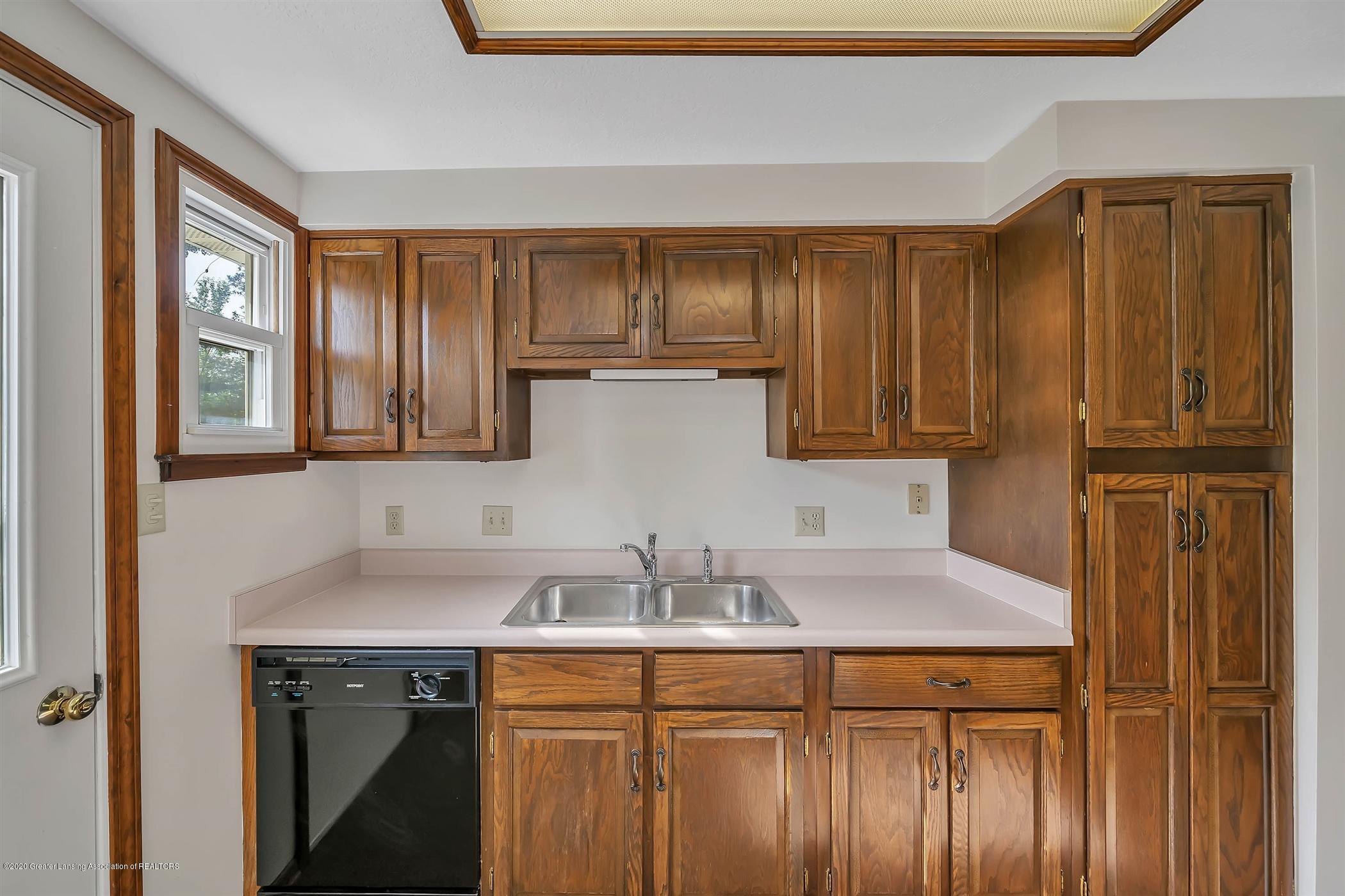6750 W Lovejoy Rd - (24) 6756 Lovejoy Kitchen - 24