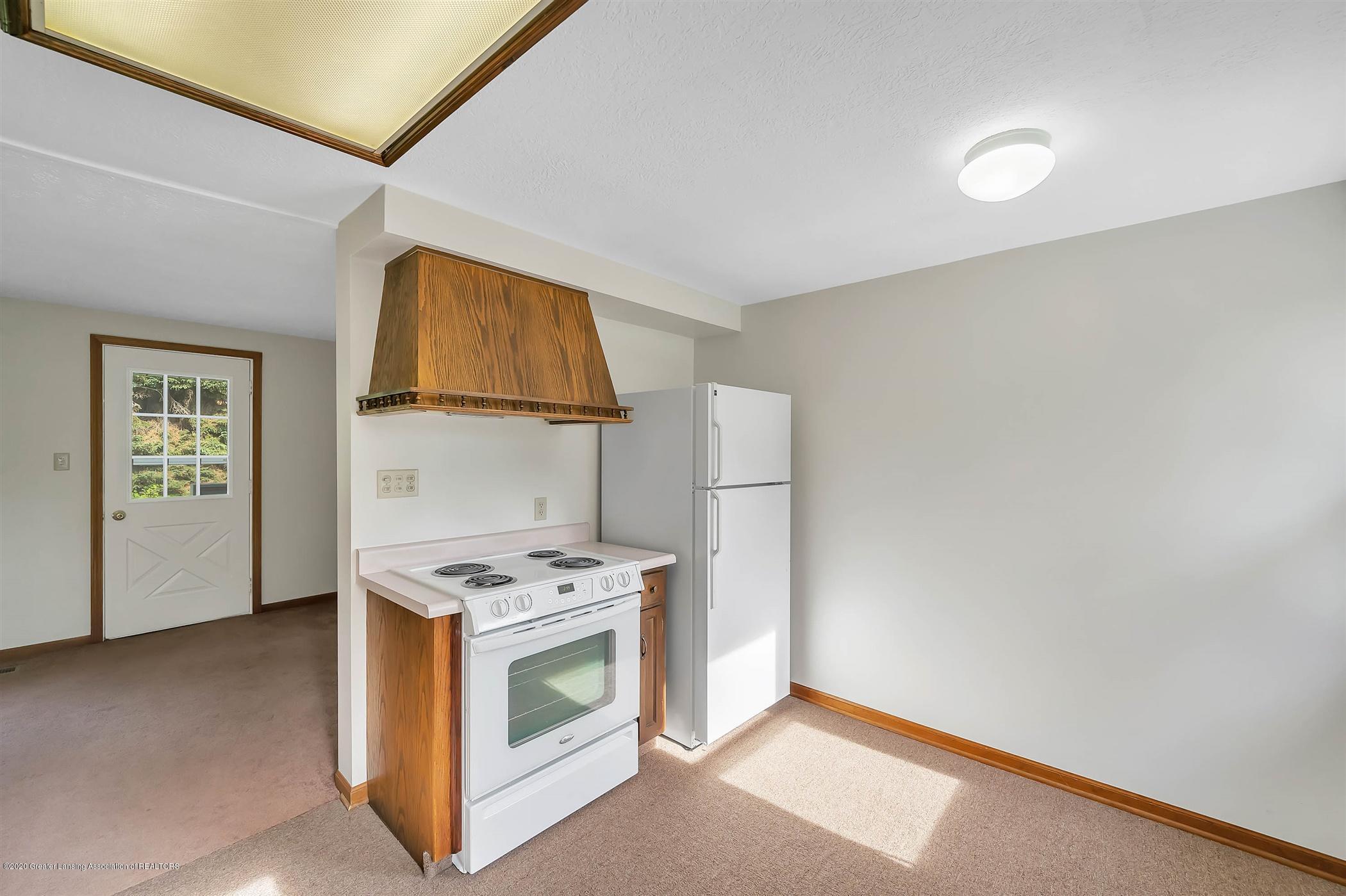 6750 W Lovejoy Rd - (25) 6756 Lovejoy Kitchen - 25