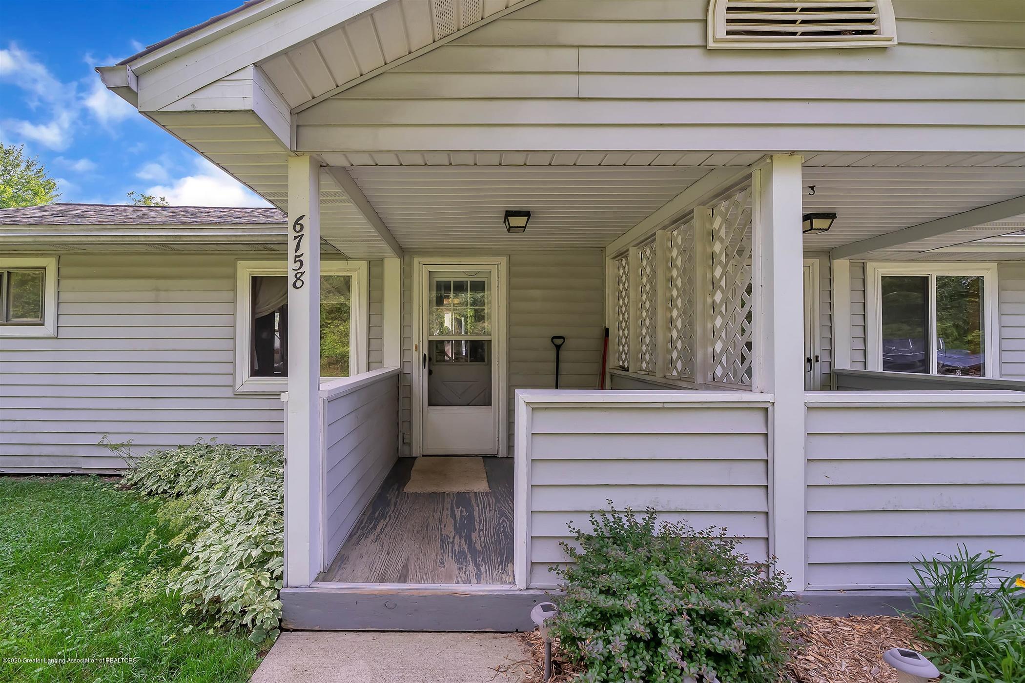 6750 W Lovejoy Rd - (32) 6758 Lovejoy Front Porch - 32