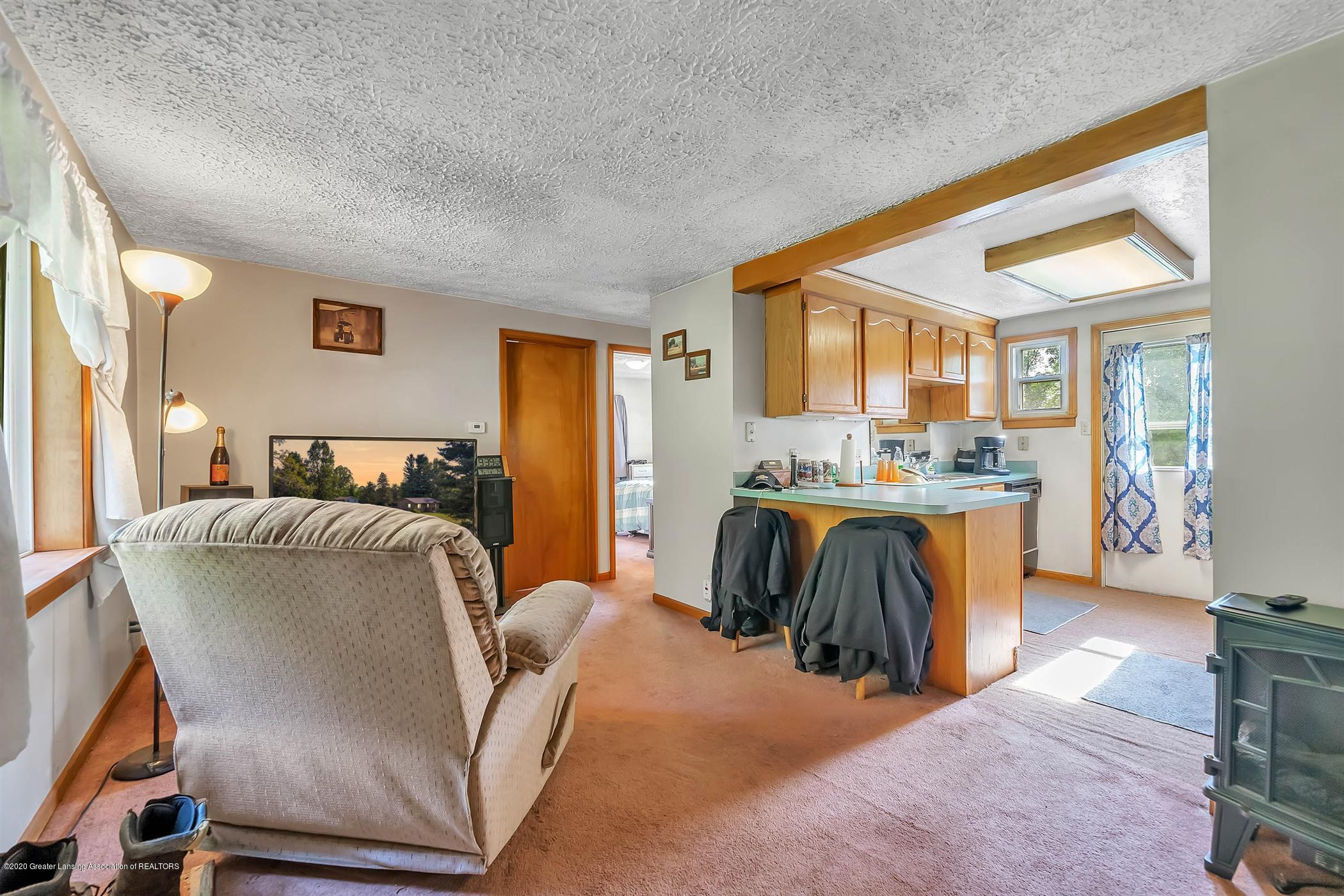6750 W Lovejoy Rd - (34) 6758 Lovejoy Living Room - 34