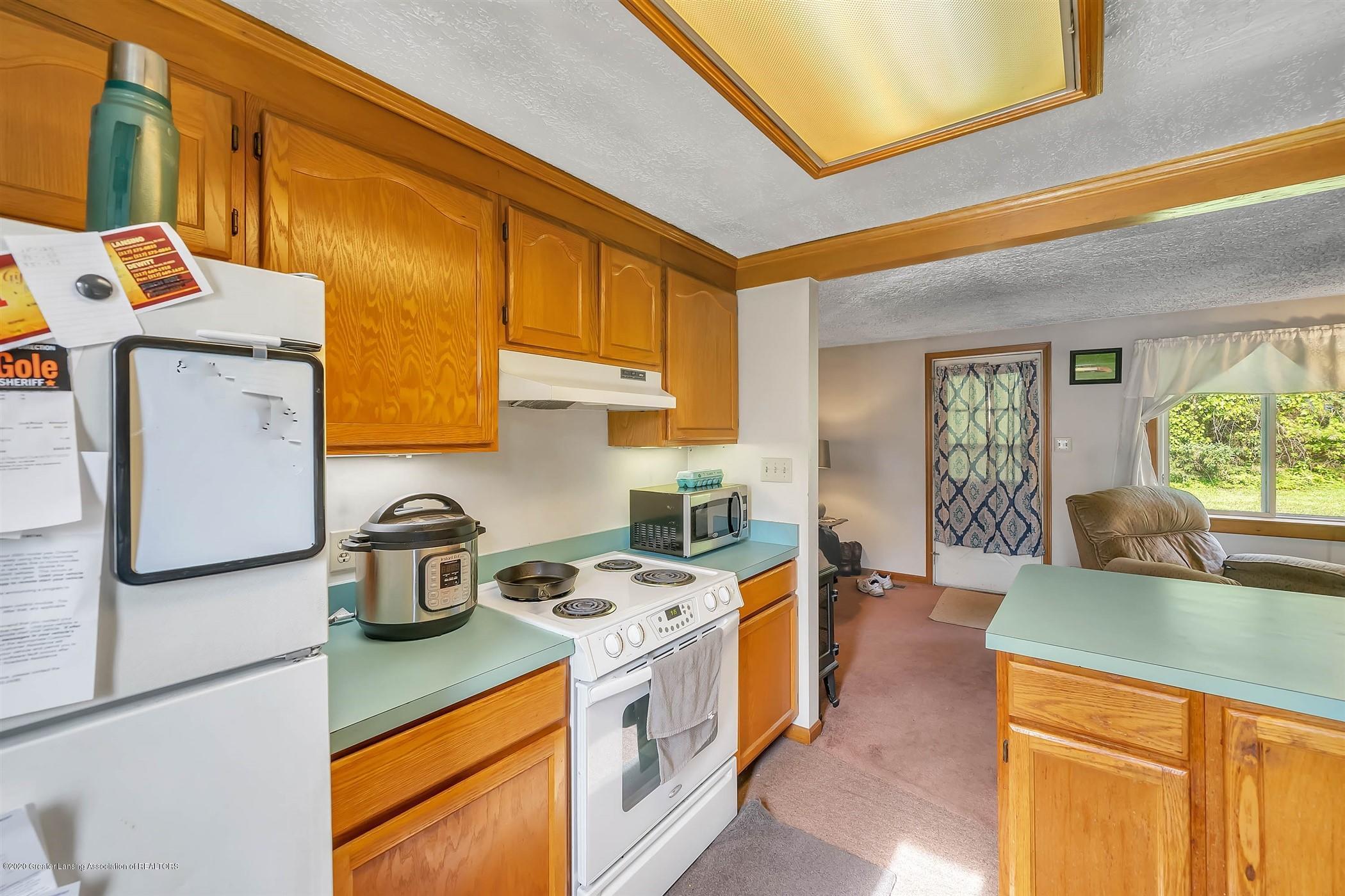 6750 W Lovejoy Rd - (35) 6758 Lovejoy Kitchen - 35