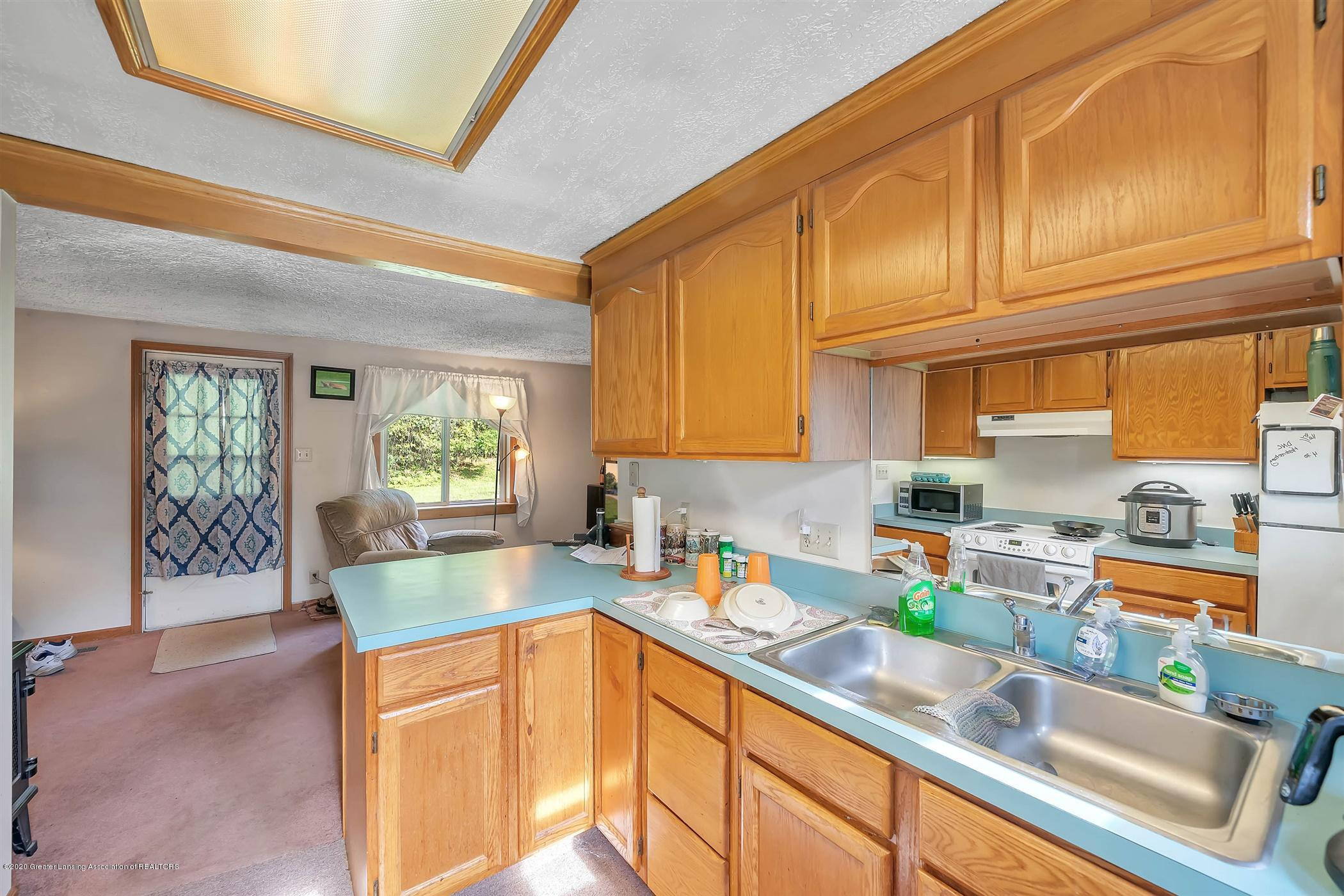 6750 W Lovejoy Rd - (36) 6758 Lovejoy Kitchen - 36