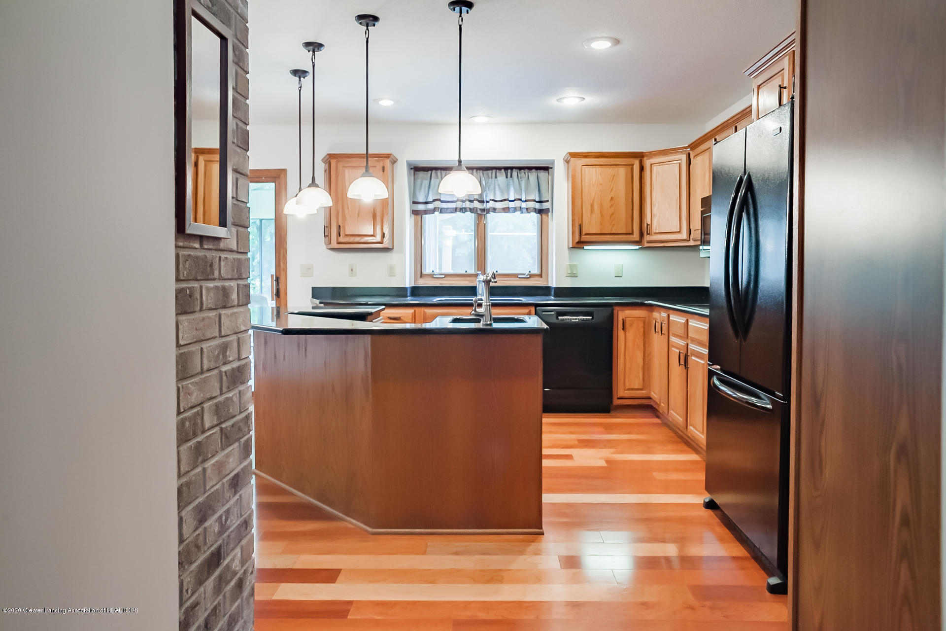 2487 Barnsbury Rd - Kitchen - 7